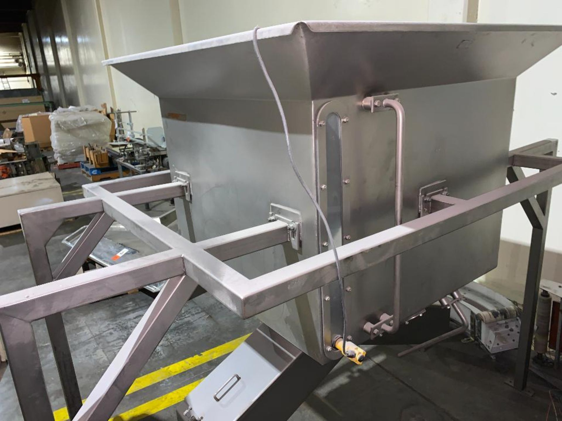 stainless steel dual chute hopper - Image 3 of 7