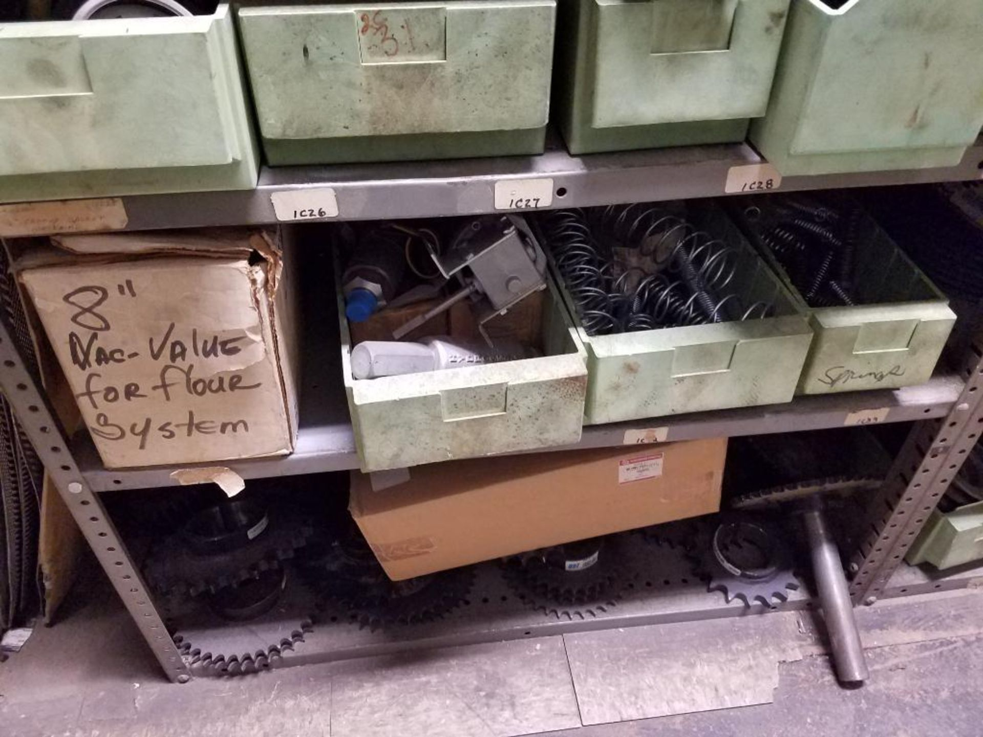 various replacement parts, conveyor belts, electrical components, gears and gauges - Image 10 of 21
