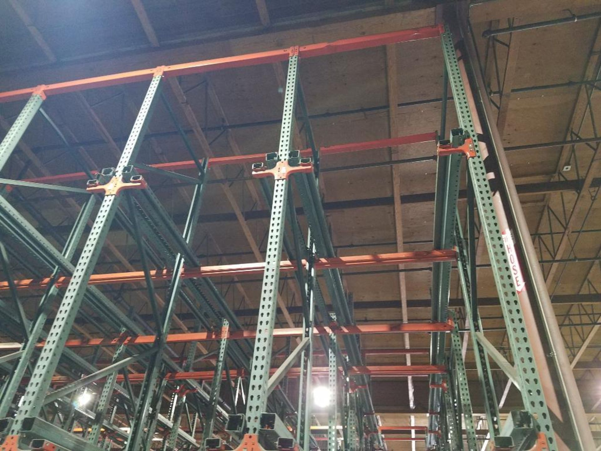 (11) bays tear drop style drive in rack - Image 4 of 5