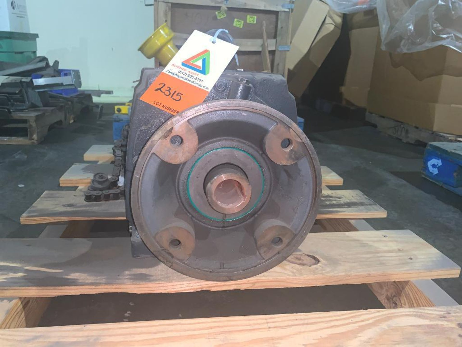 gear reducing drives and parts - Image 2 of 5