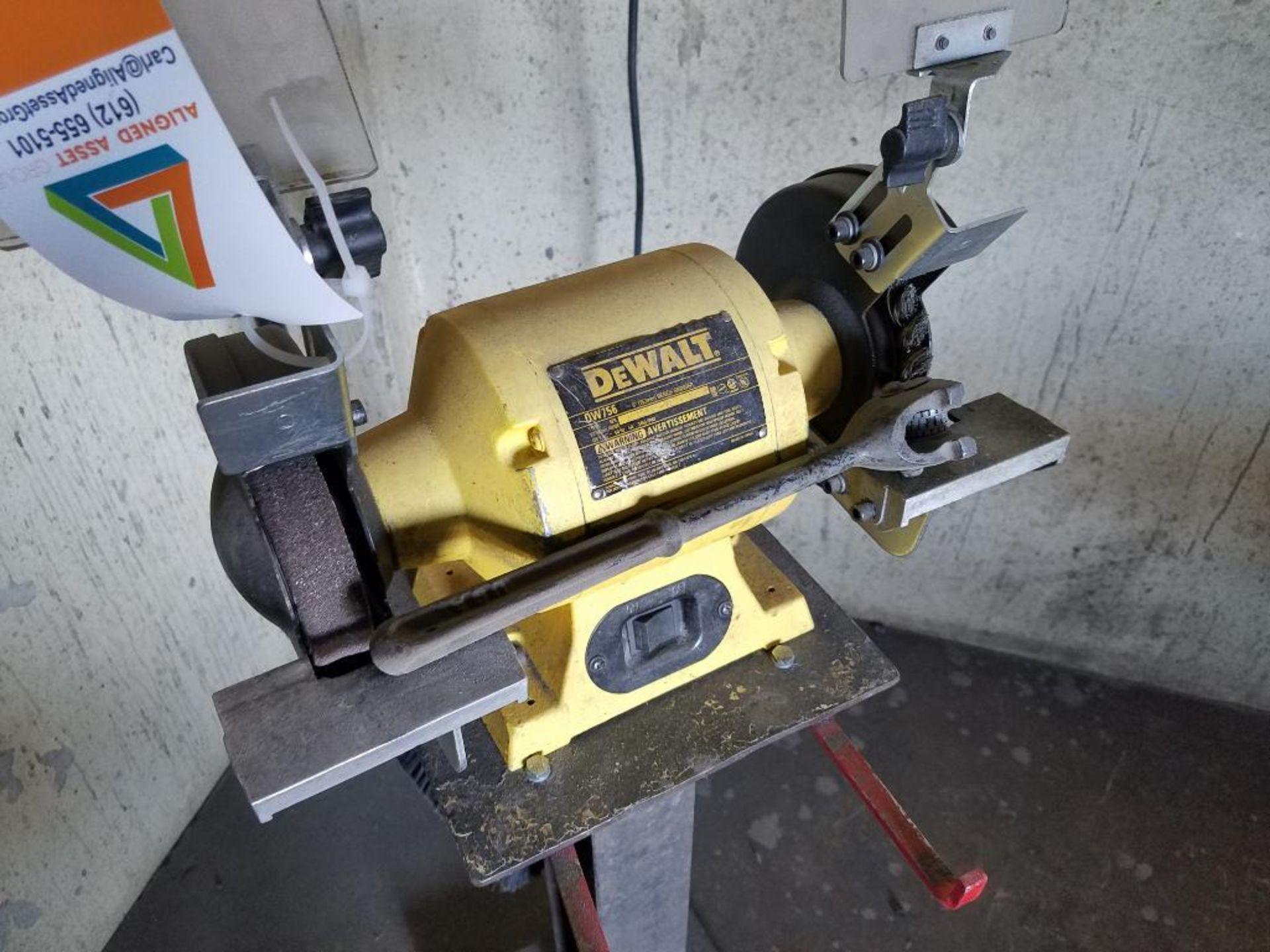 DeWalt double arbor pedestal grinder - Image 2 of 3