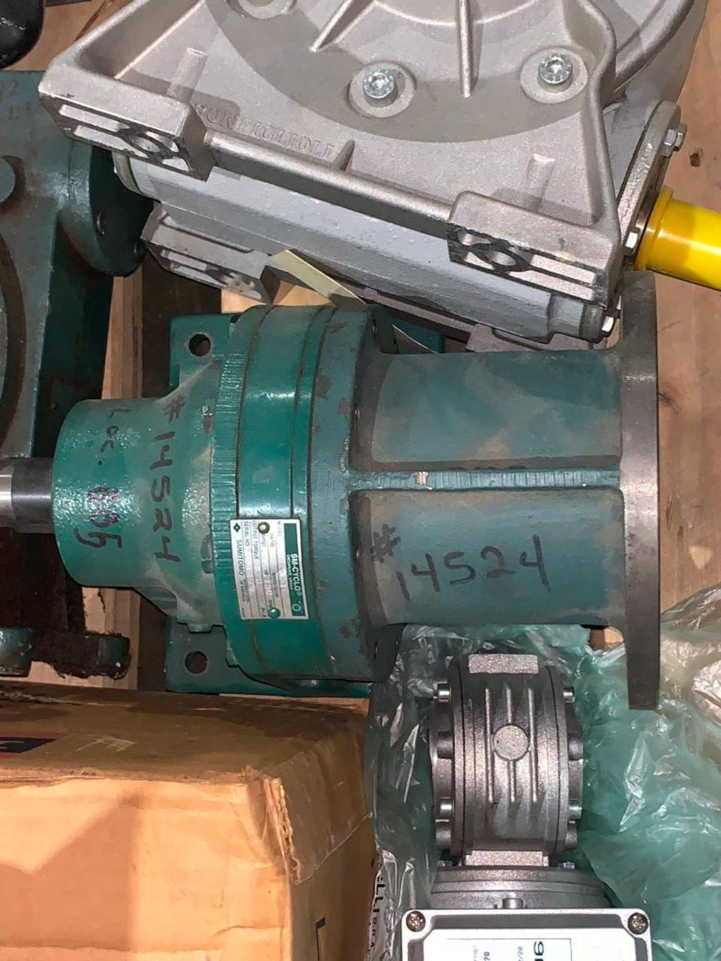 pallet of used motors and drives - Image 10 of 13