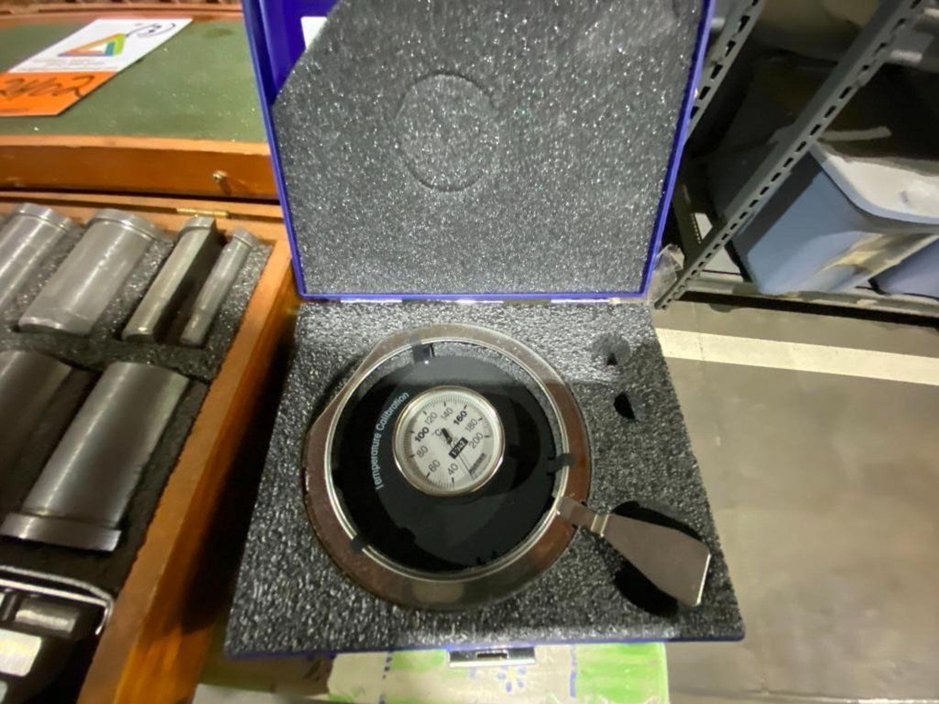 Mettler Toledo calibration kit for halogen moisture analyser - Image 2 of 3