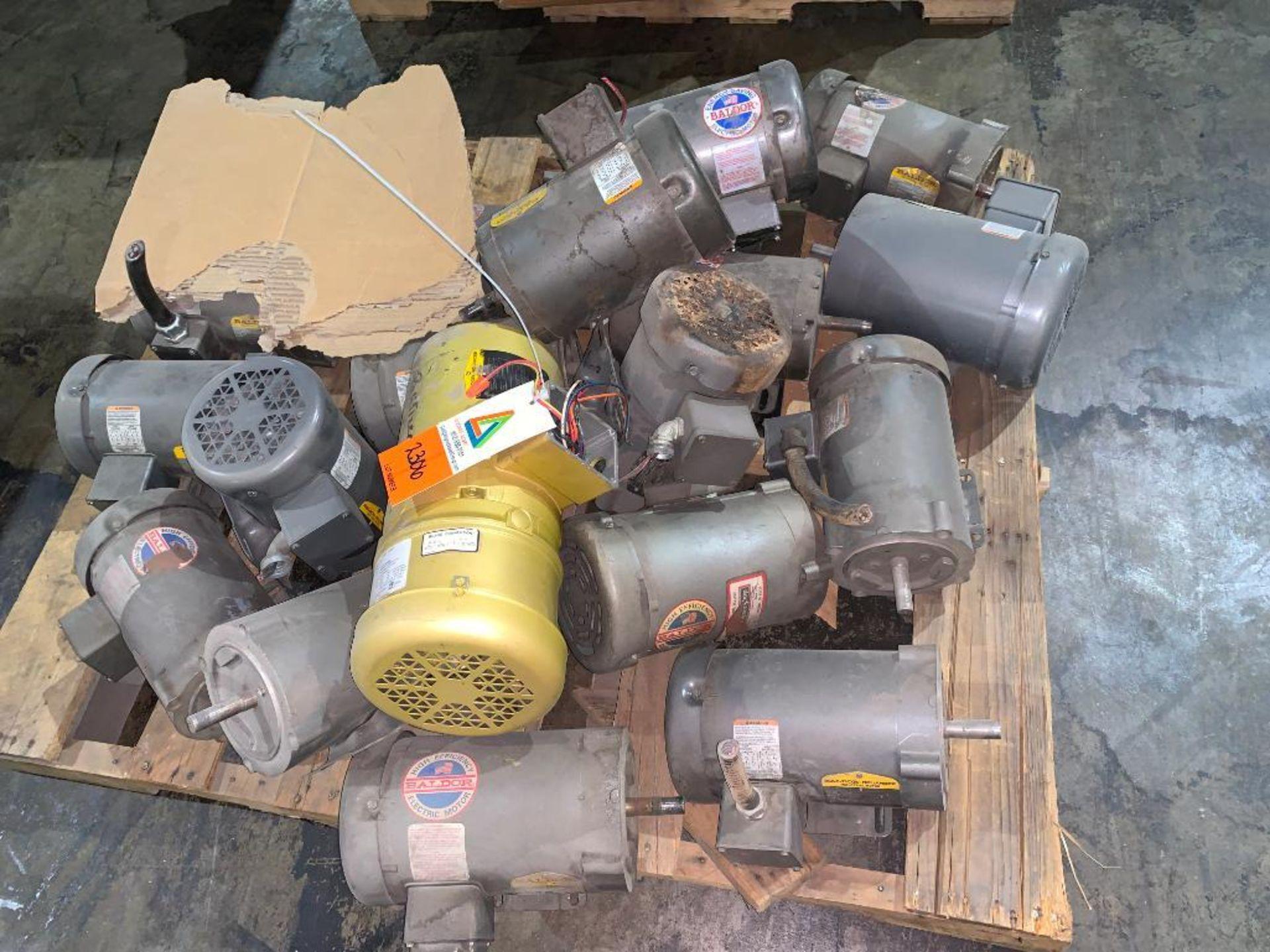 pallet of various used motors - Image 3 of 4