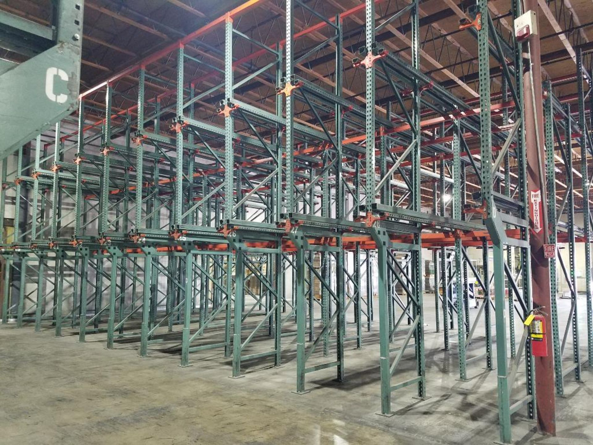 (11) bays tear drop style drive in rack - Image 6 of 6