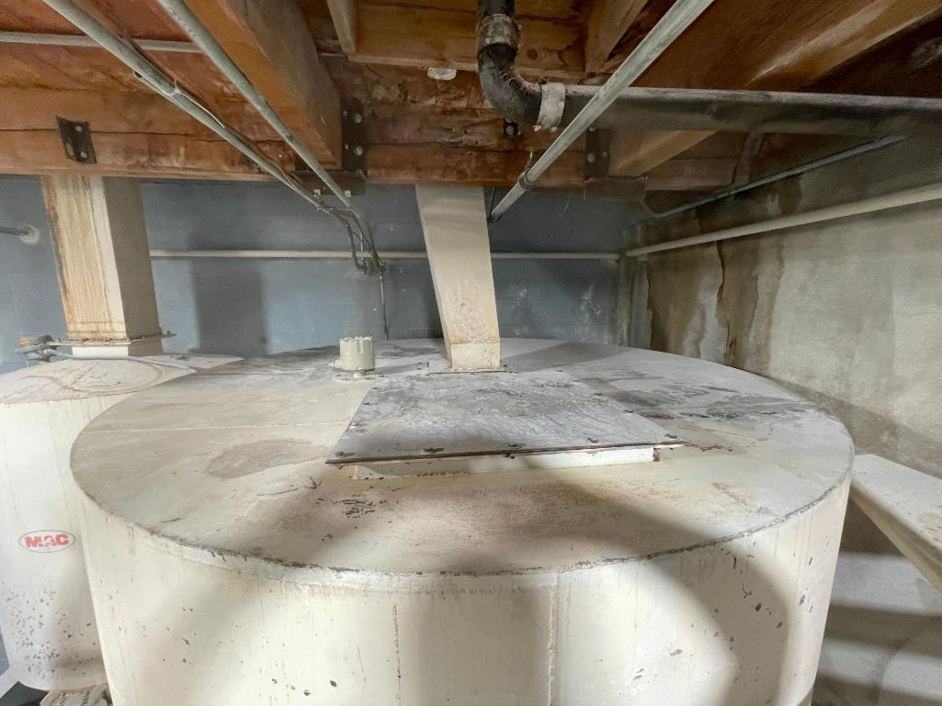 MAC mild steel cone bottom bin - Image 8 of 12