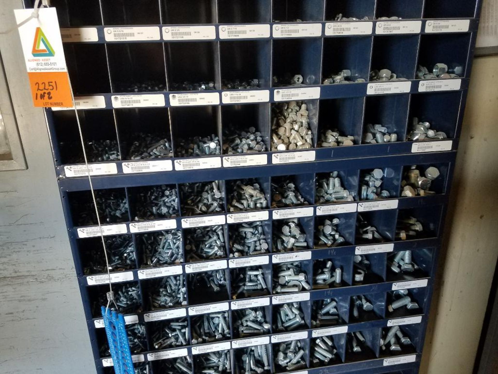 grade 5 nut and bolt bins - Image 3 of 4