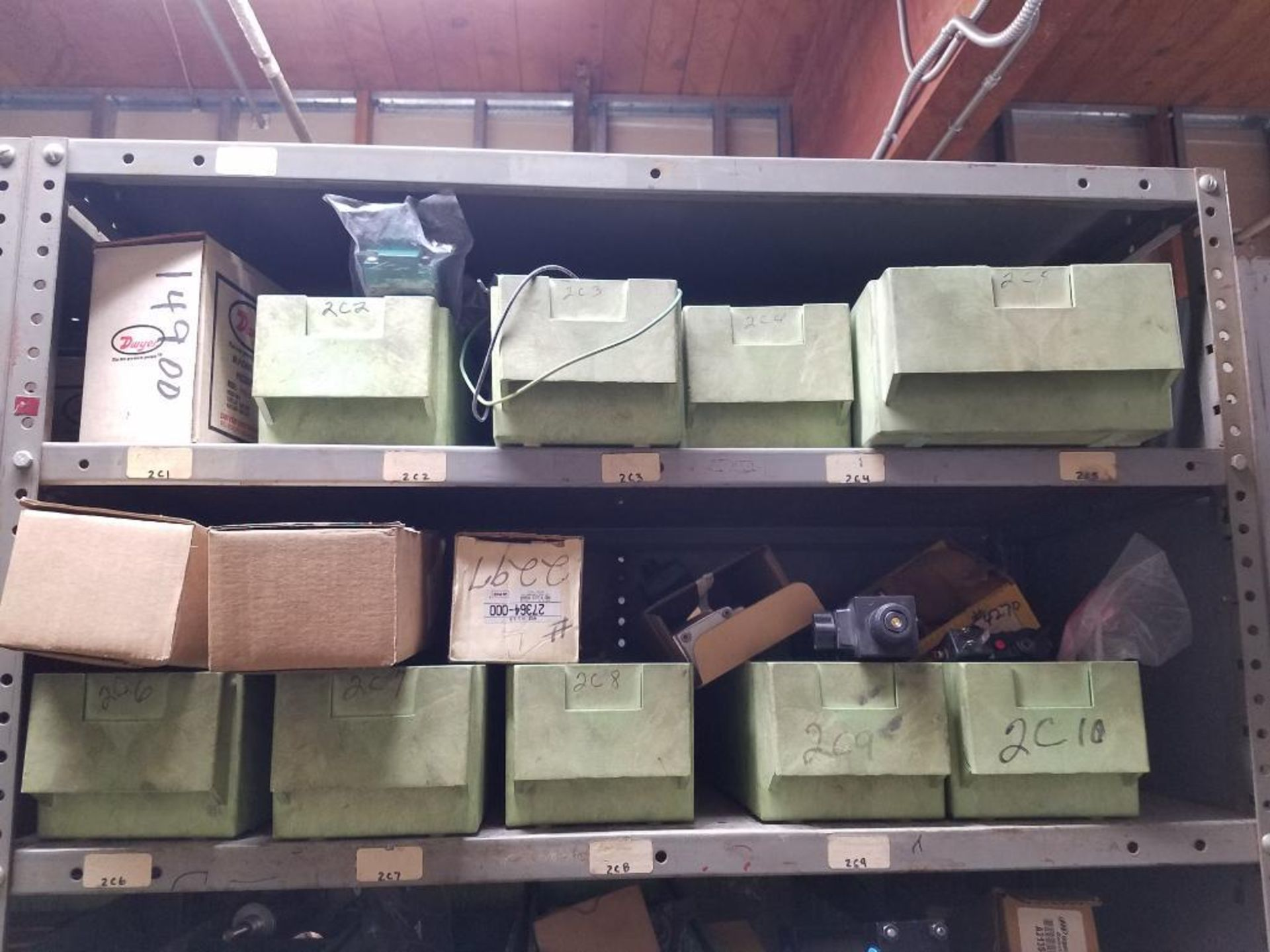 various replacement parts, conveyor belts, electrical components, gears and gauges - Image 11 of 21