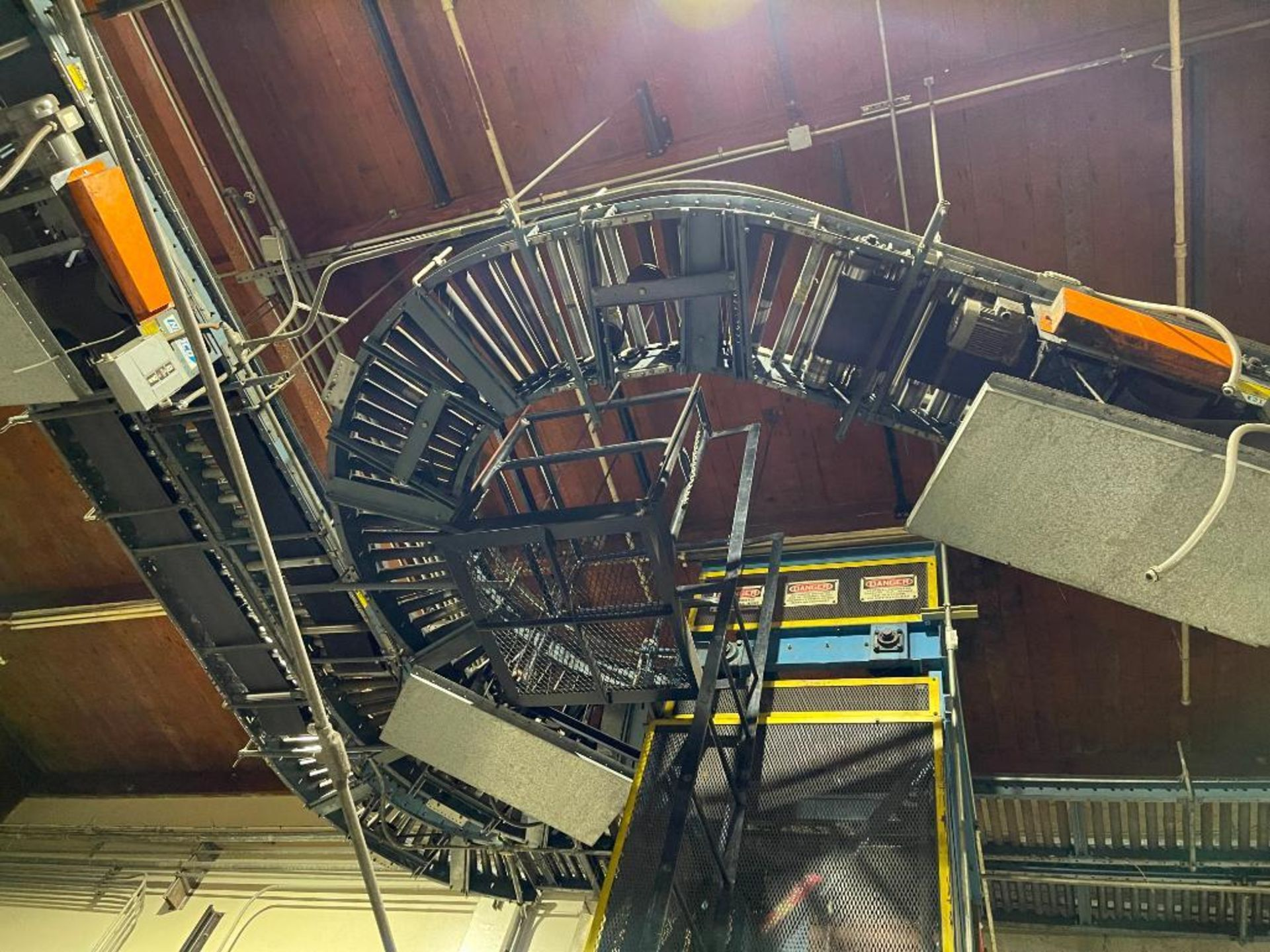 overhead power case conveyor - Image 3 of 9