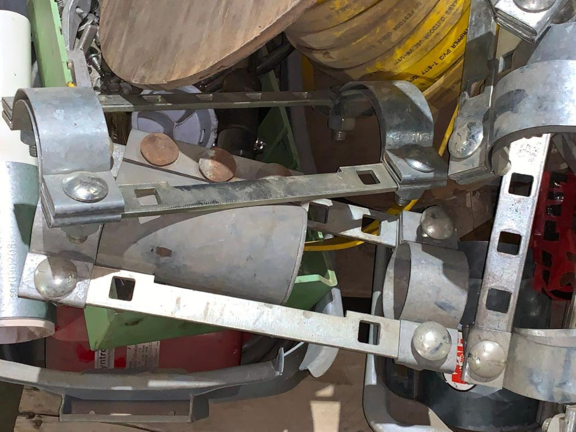 pallet of air pipe clamps - Image 4 of 6