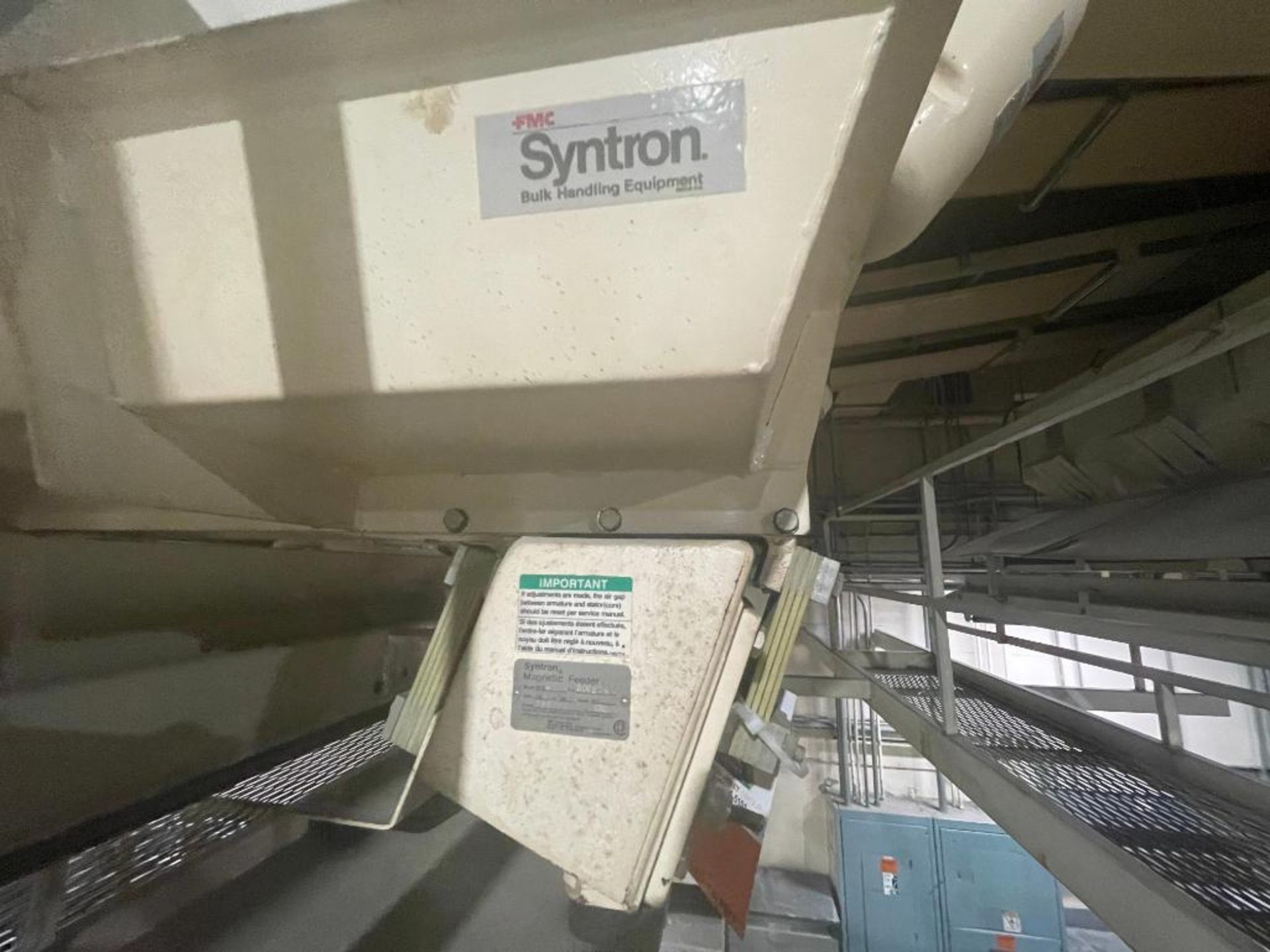 Aseeco 5-bin blending system with 5 Syntron vibratory feeders on bottom - Image 9 of 18