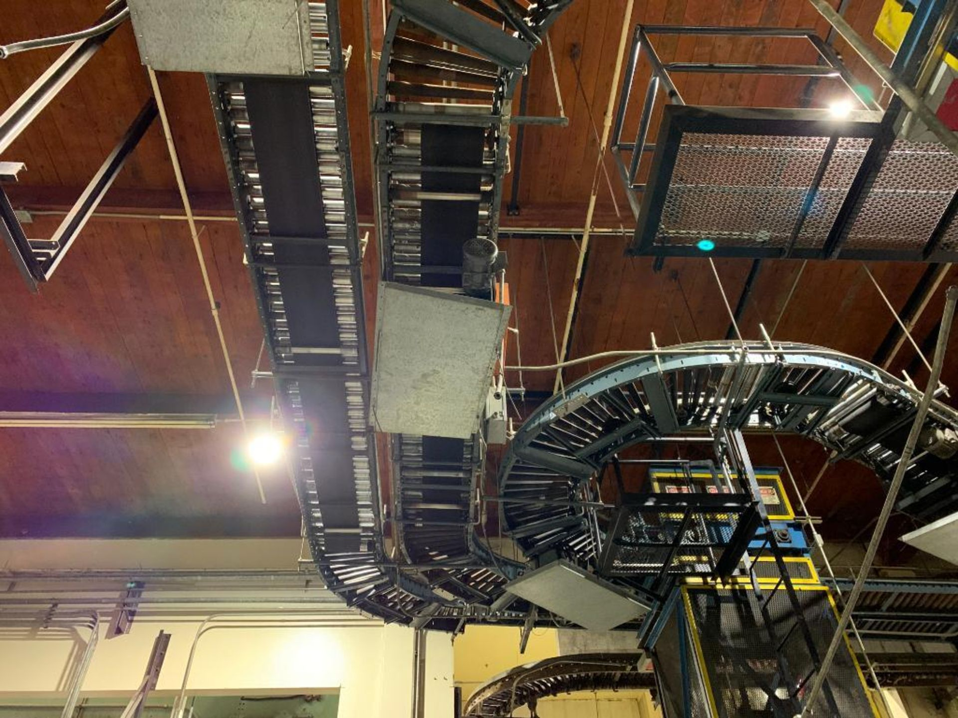 overhead power case conveyor - Image 2 of 3