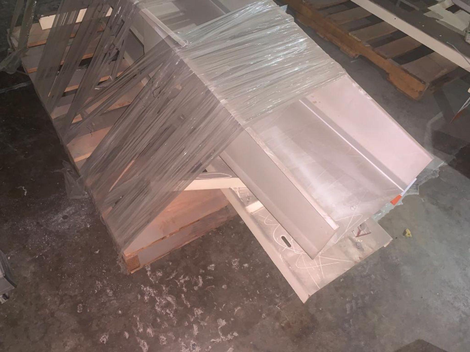 vibratory conveyor - Image 3 of 5