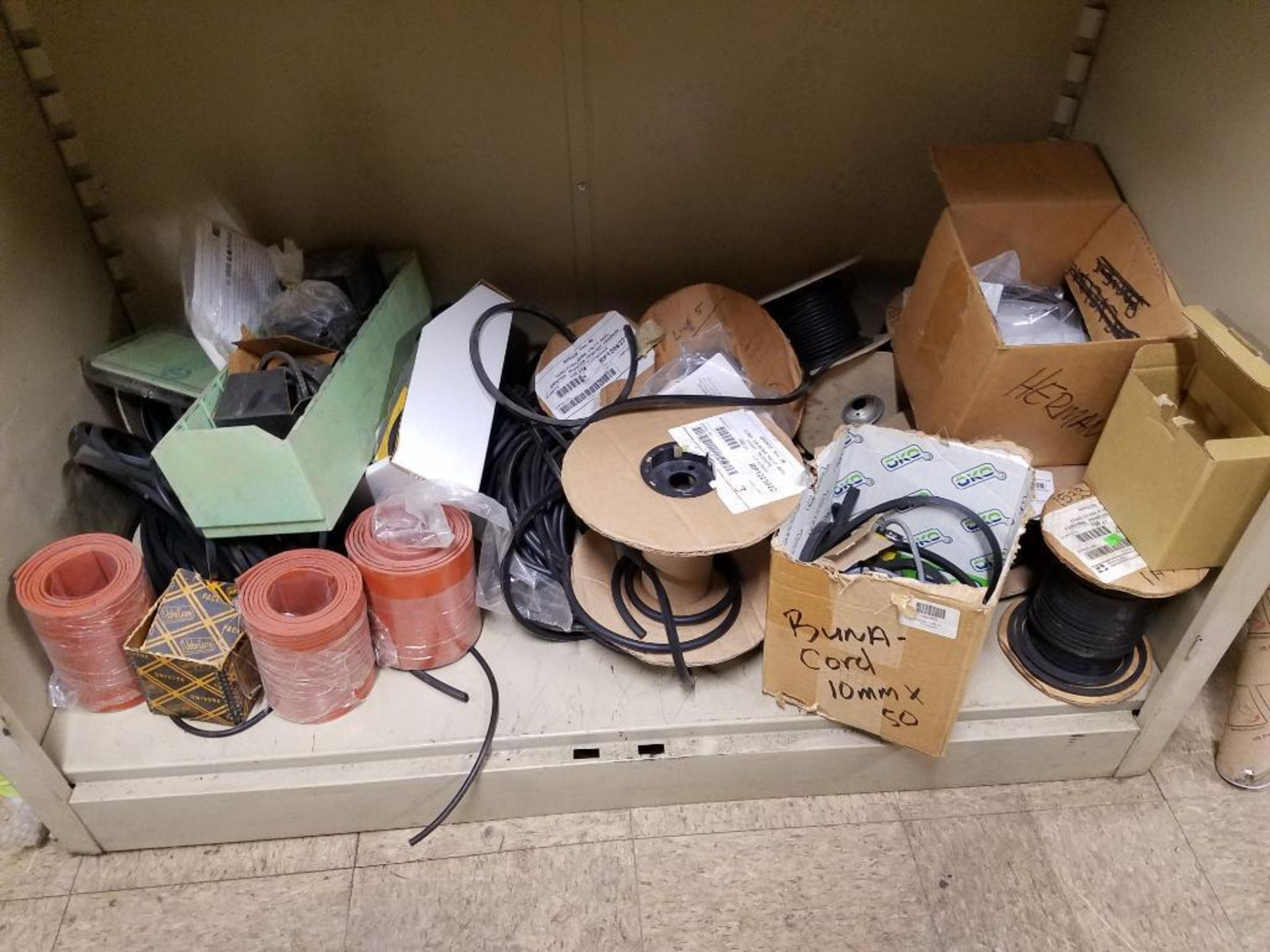 various replacement parts, cables, sensors, belts, clamps - Image 7 of 11