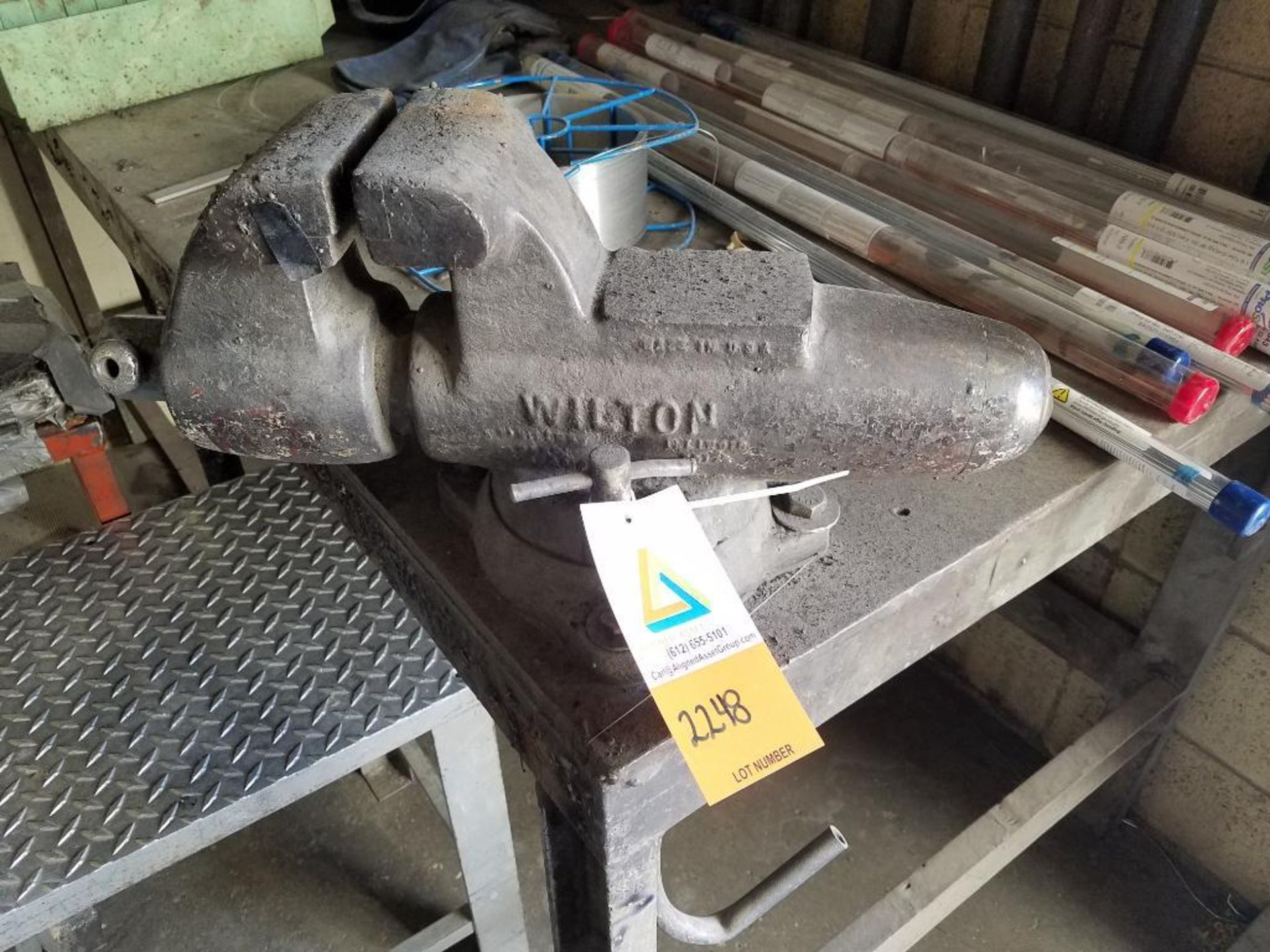steel welding table - Image 2 of 2