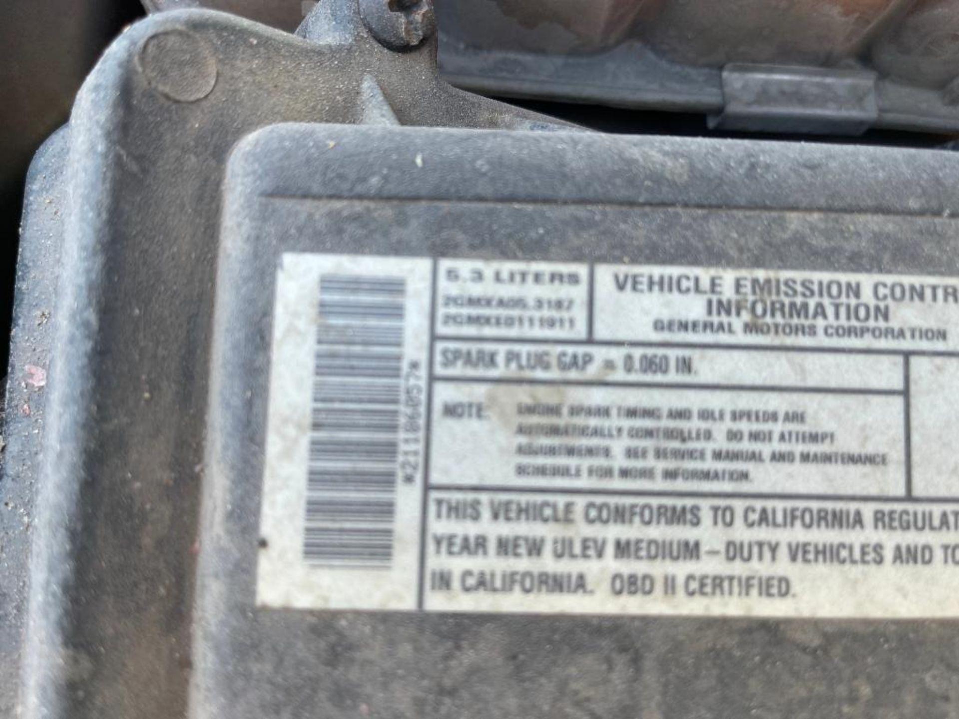 2000 Chevrolet Silverado 1500 LS - Image 3 of 27