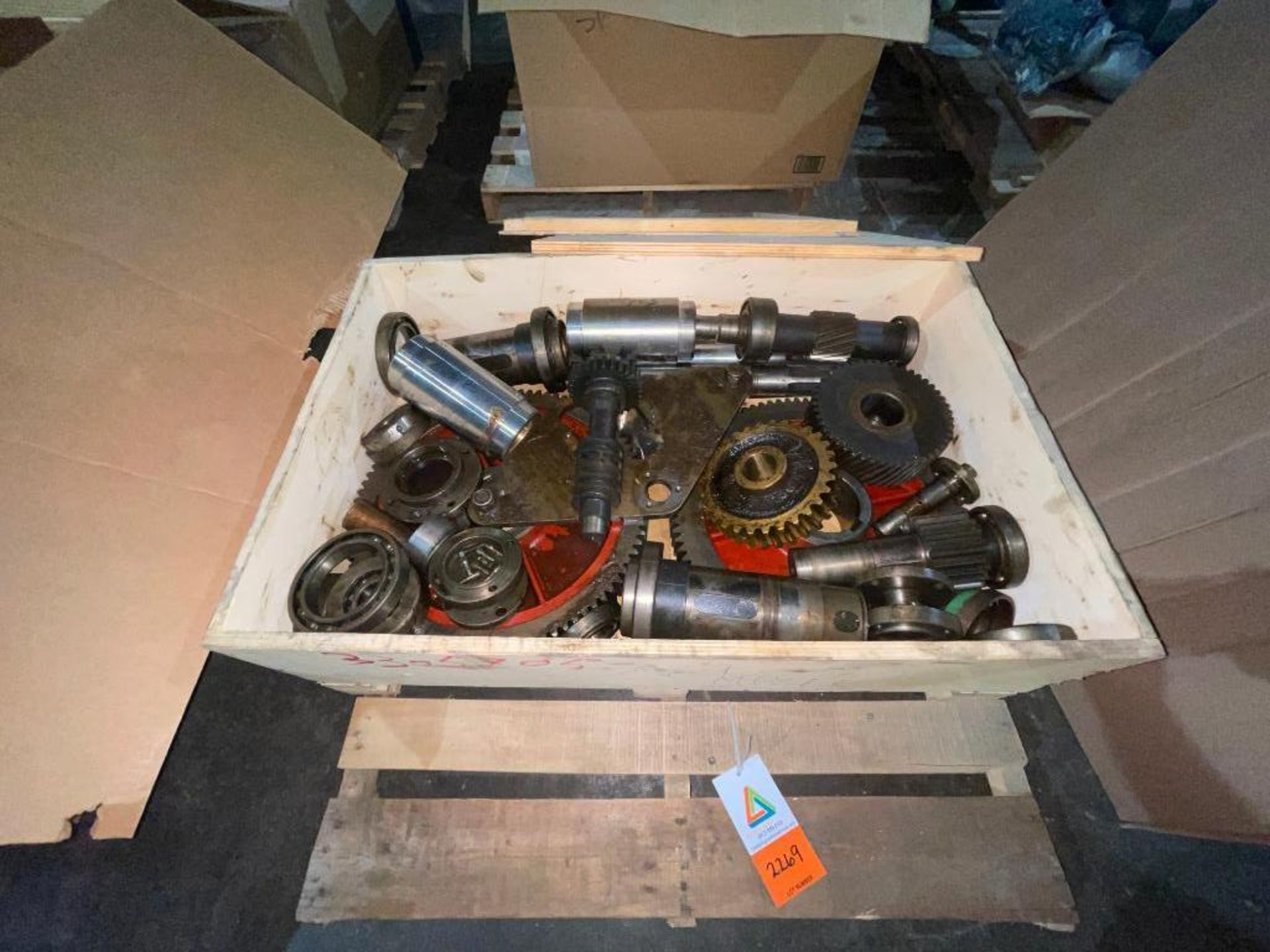 pallet with gears and bearings - Image 2 of 4