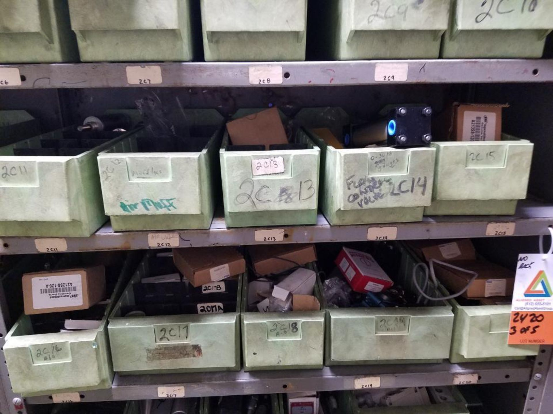 various replacement parts, conveyor belts, electrical components, gears and gauges - Image 12 of 21