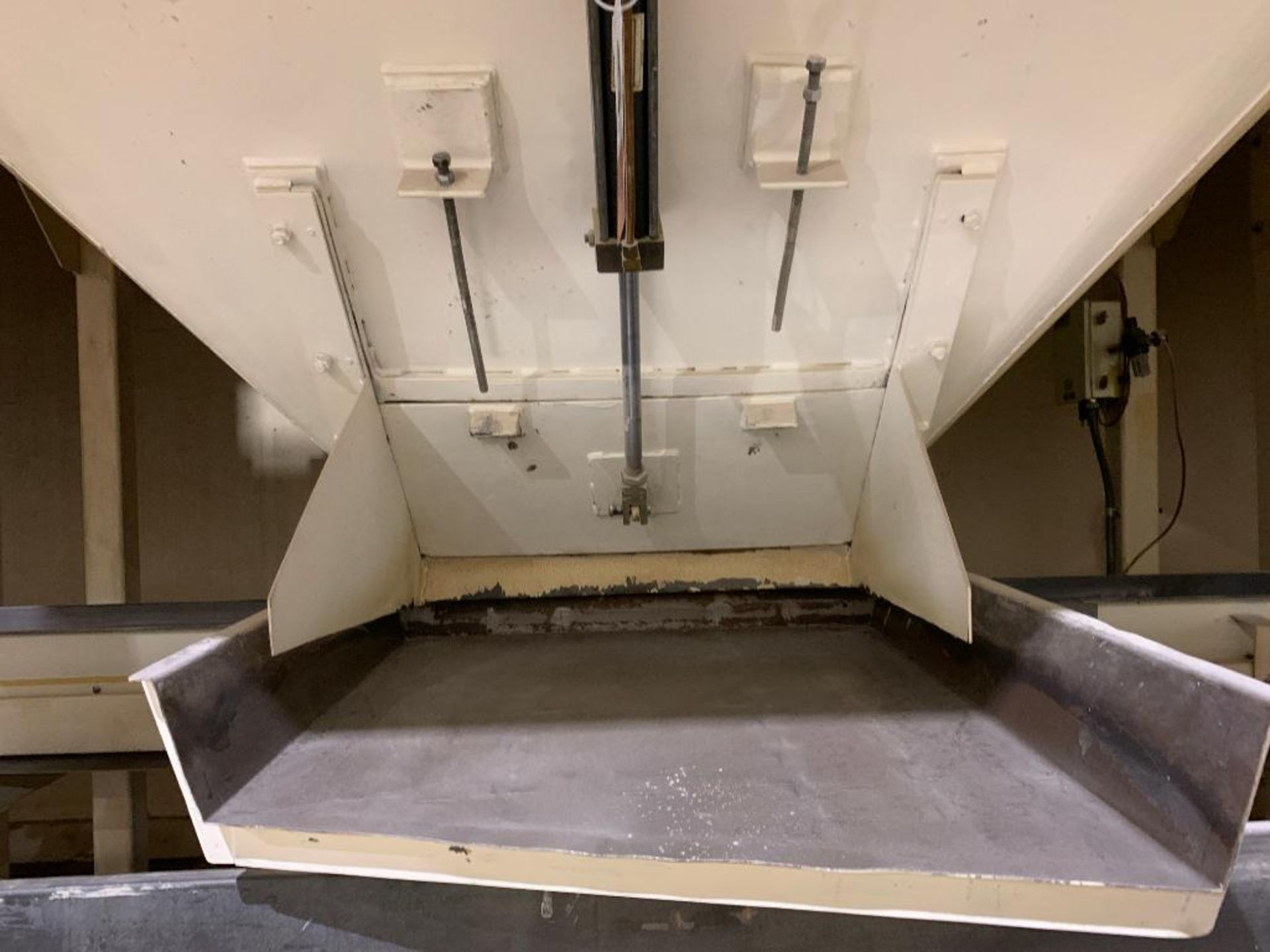 Aseeco mild steel cone bottom bulk storage bin - Image 7 of 22