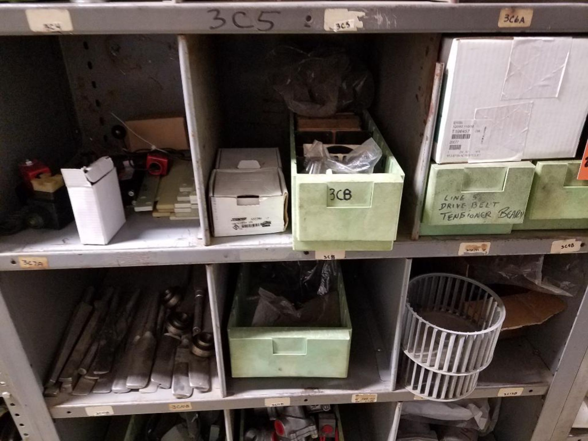various replacement parts, conveyor belts, electrical components, gears and gauges - Image 16 of 21
