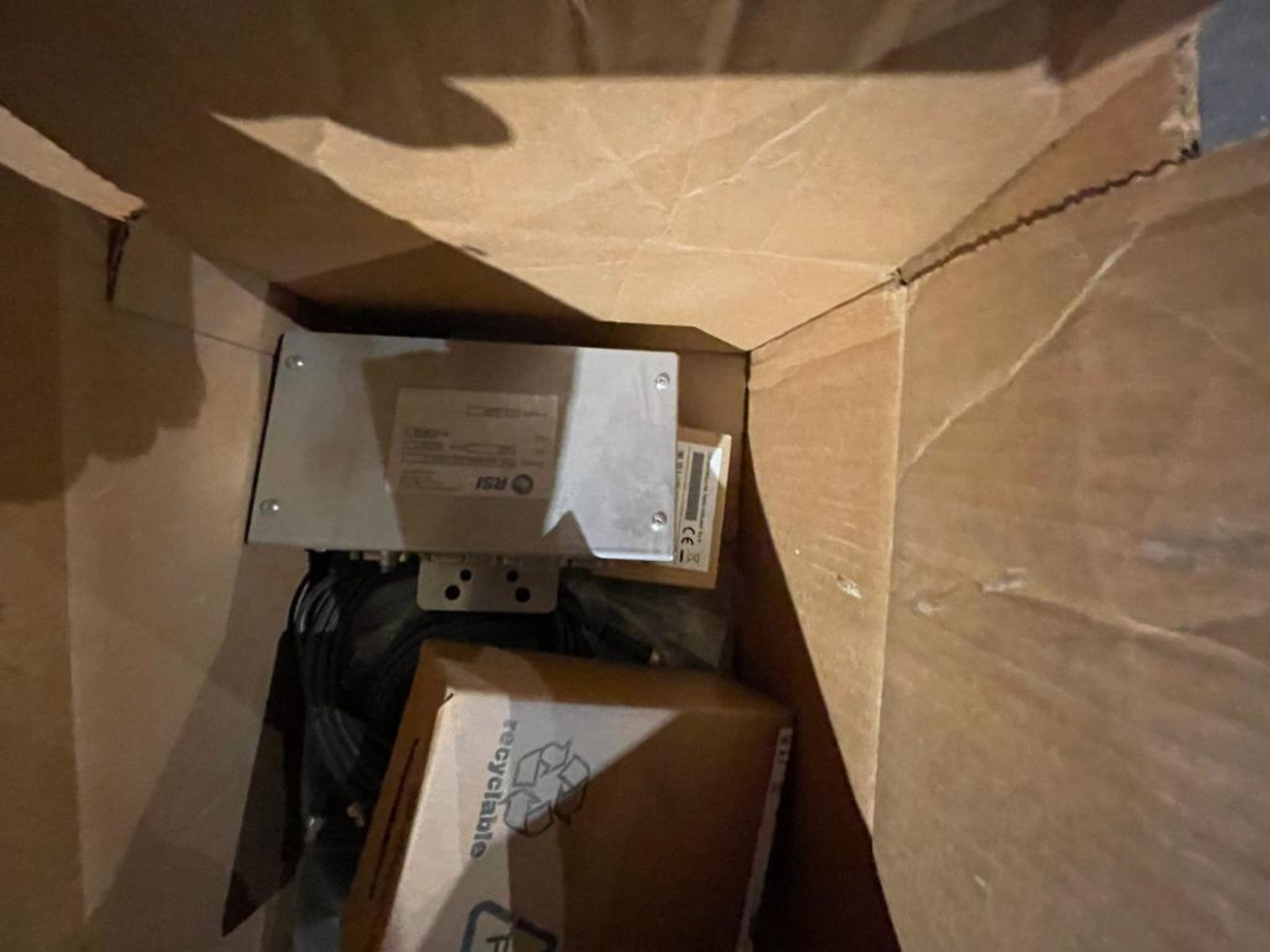 pallet of miscellaneous electronics - Image 8 of 16