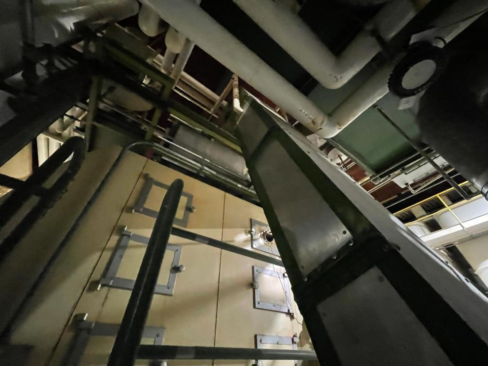 mild steel incline overlapping bucket conveyor - Image 6 of 7