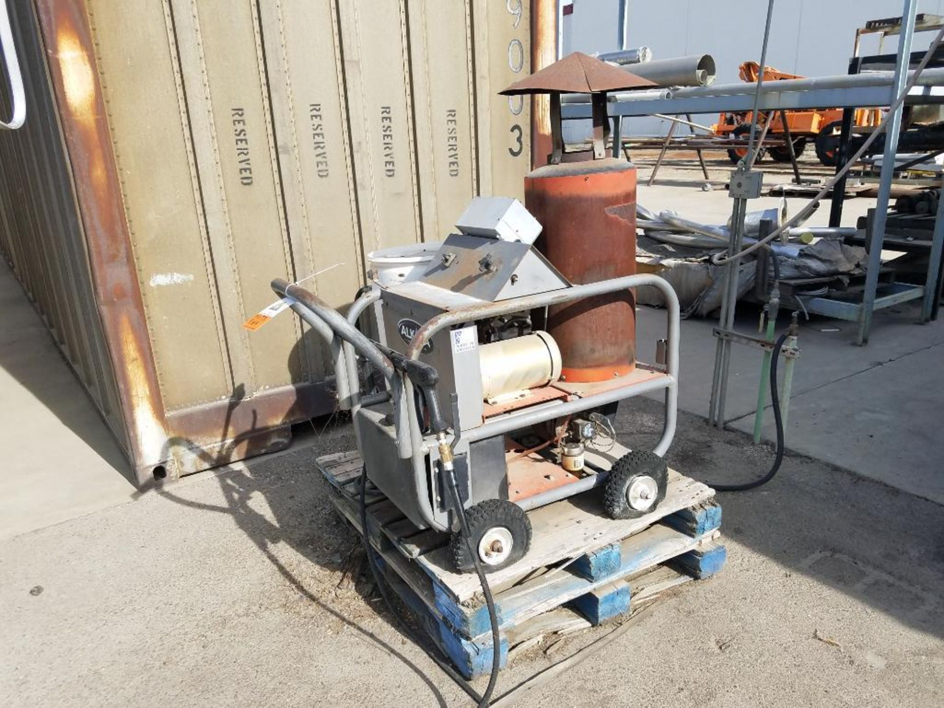 blower diverter with frame, aluminum mezzanine, steam washer, and Fallas cartoner - Image 9 of 13