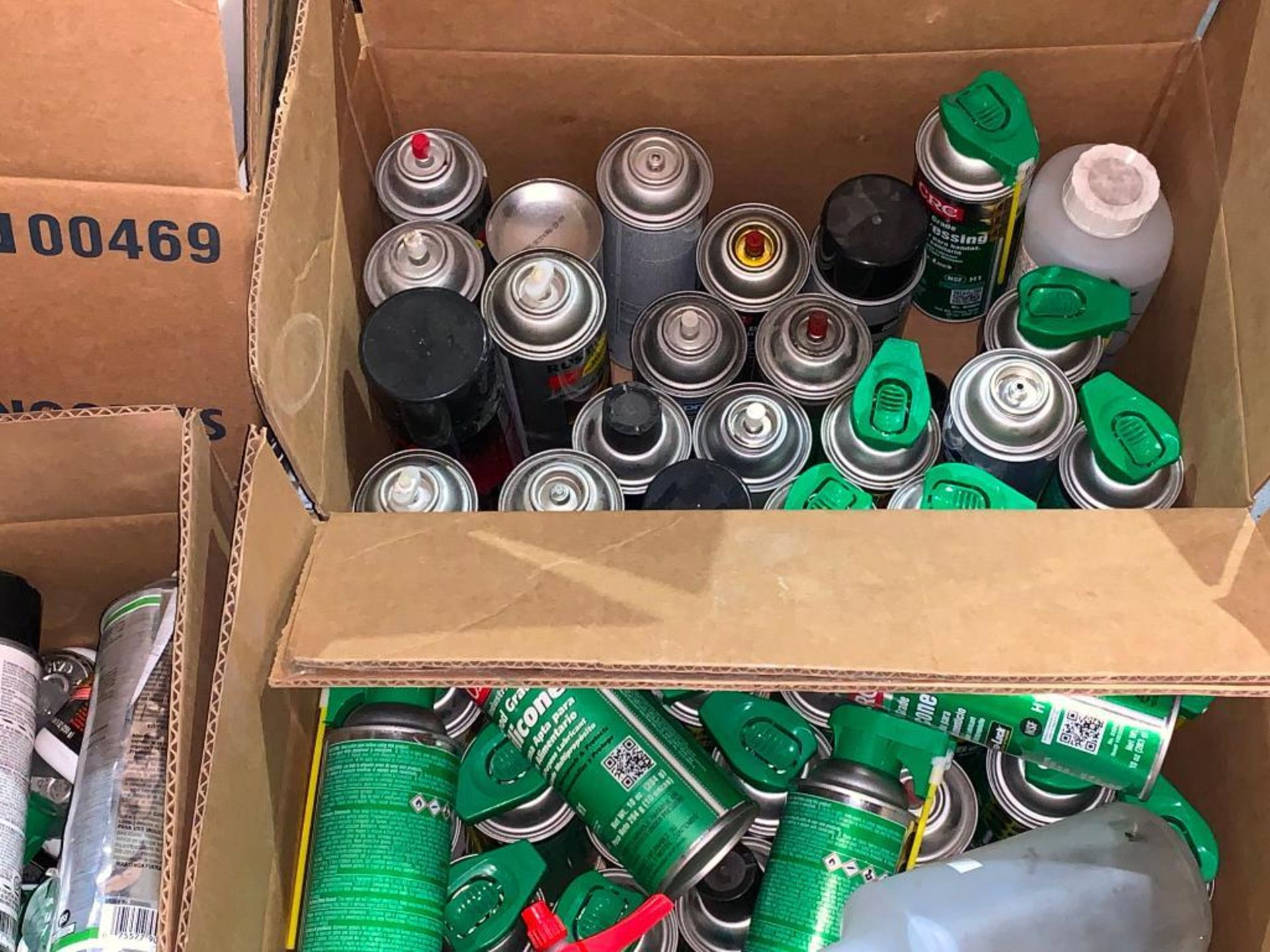 grease lubricant and thread repair - Image 6 of 7