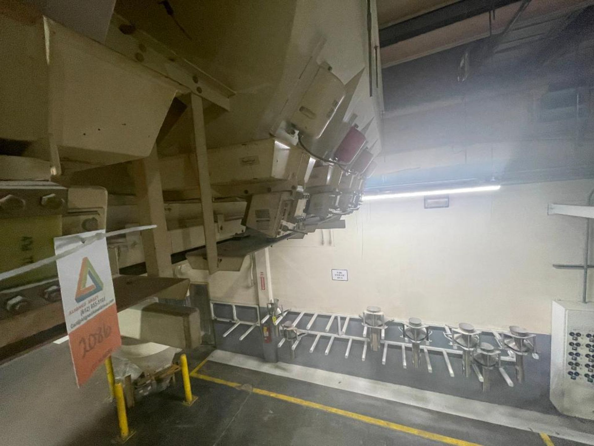Aseeco 5-bin blending system with 5 Syntron vibratory feeders on bottom - Image 11 of 12