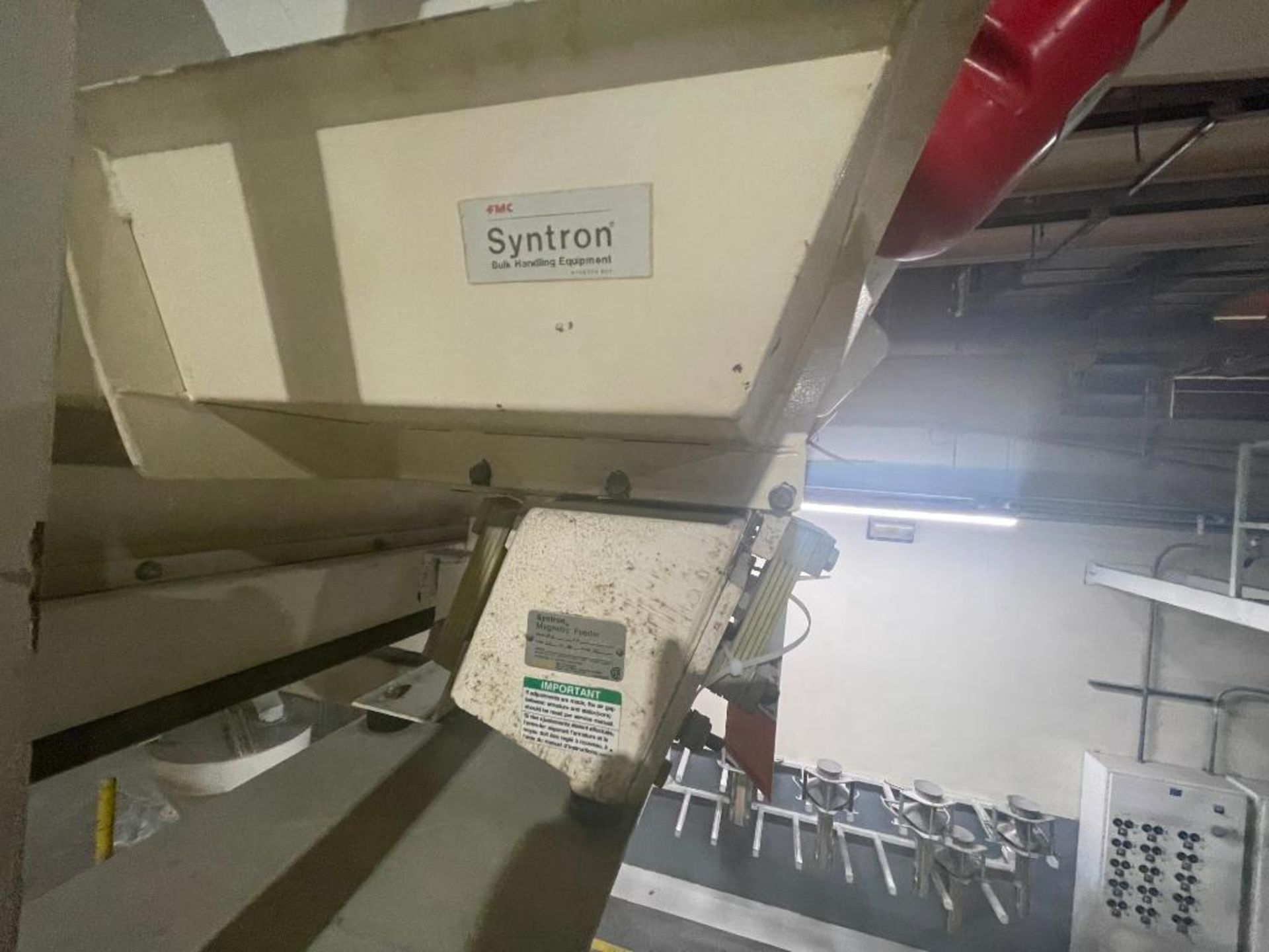 Aseeco 5-bin blending system with 5 Syntron vibratory feeders on bottom - Image 9 of 12