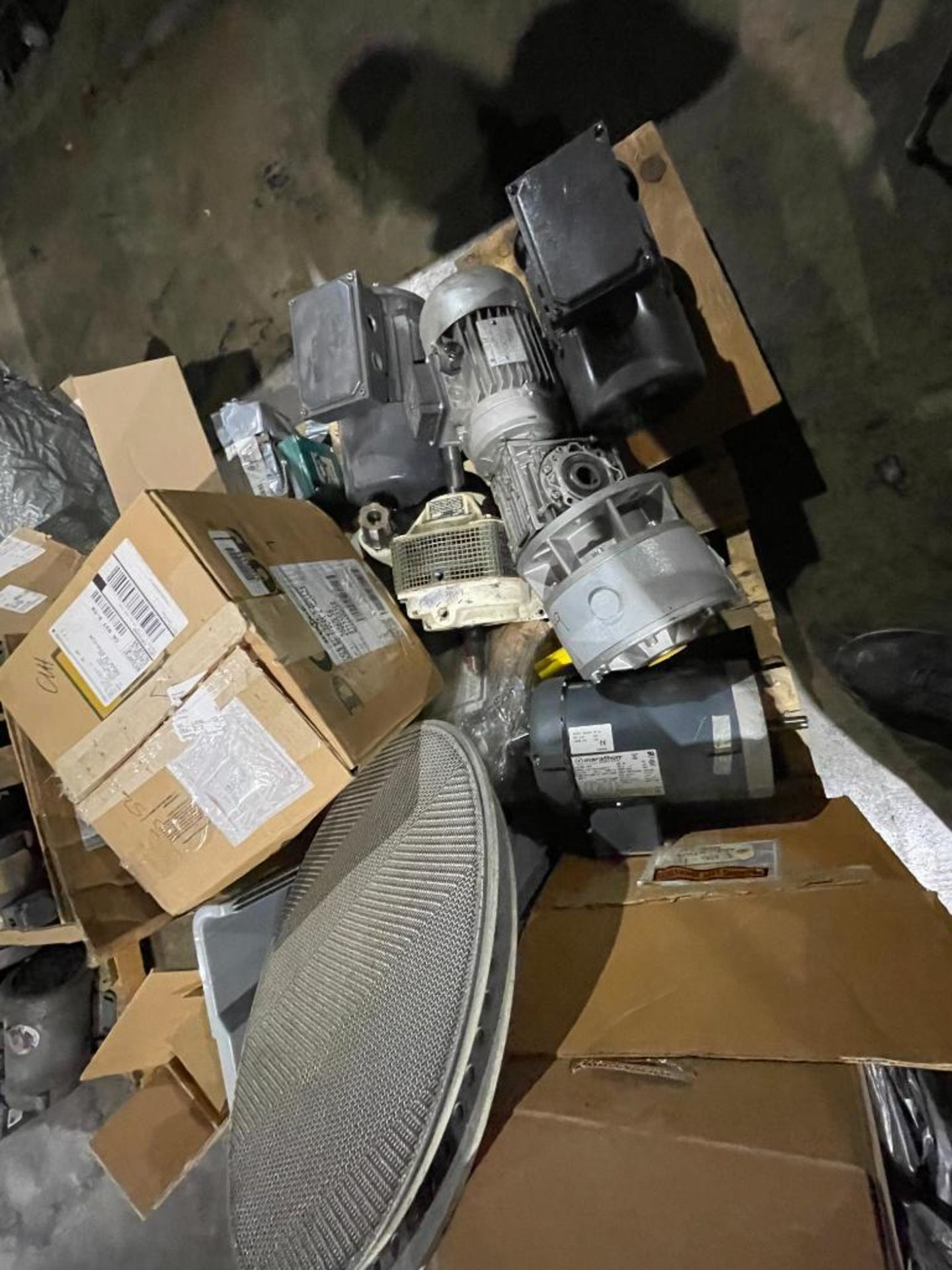 pallet of new and used motors and drives - Image 6 of 11