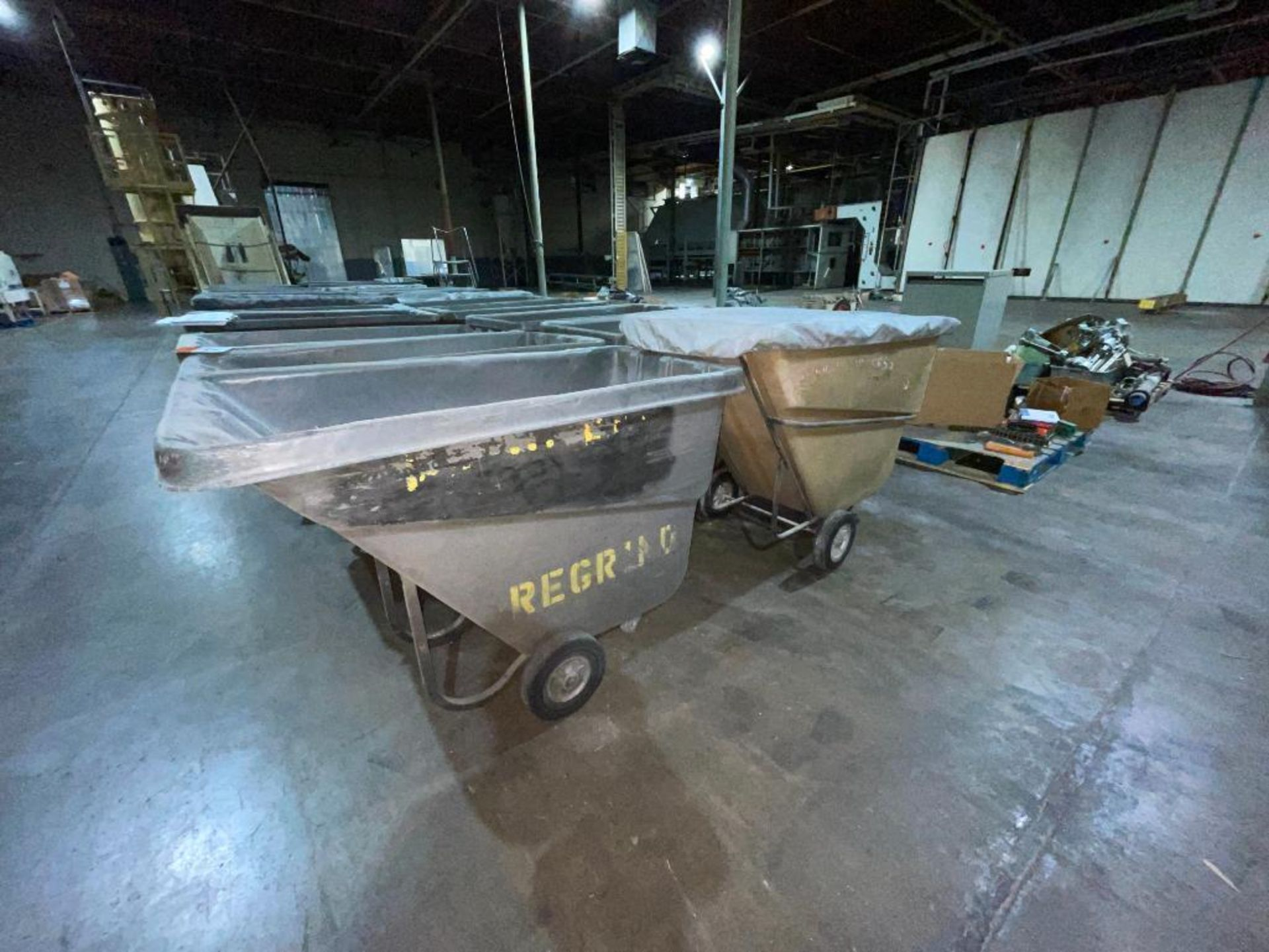(6) Rubbermaid rolling dump carts - Image 3 of 6