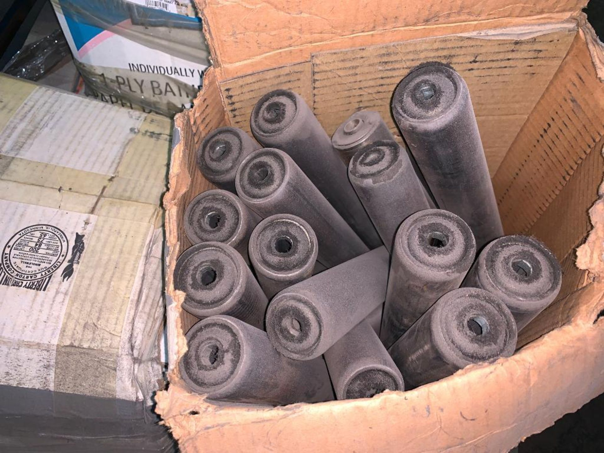 pallet of gravity conveyor rollers - Image 5 of 6