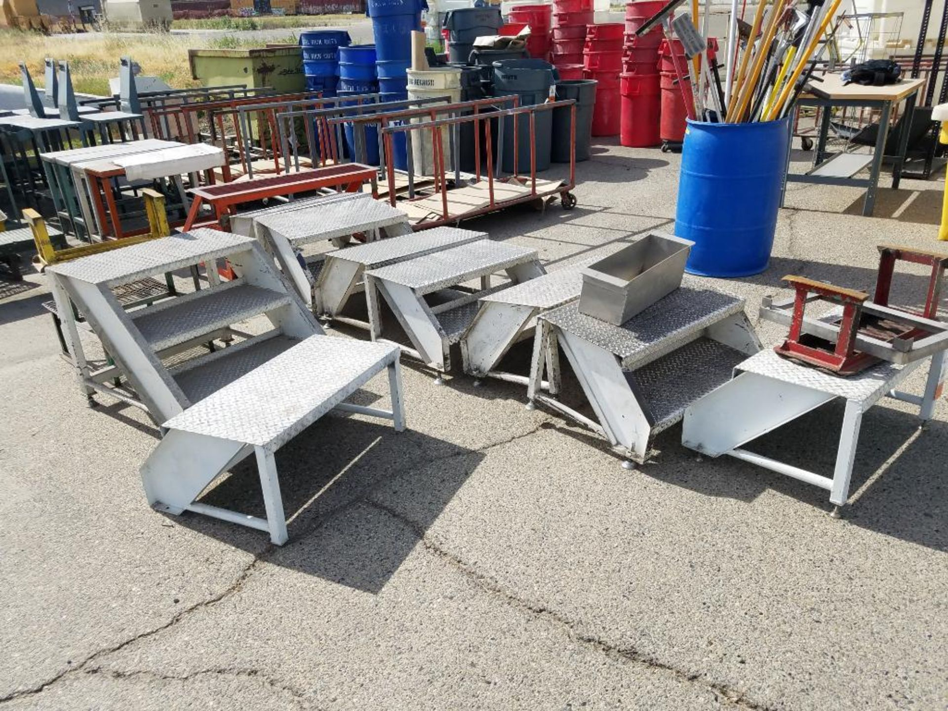 miscellaneous mild steel steps - Image 2 of 2