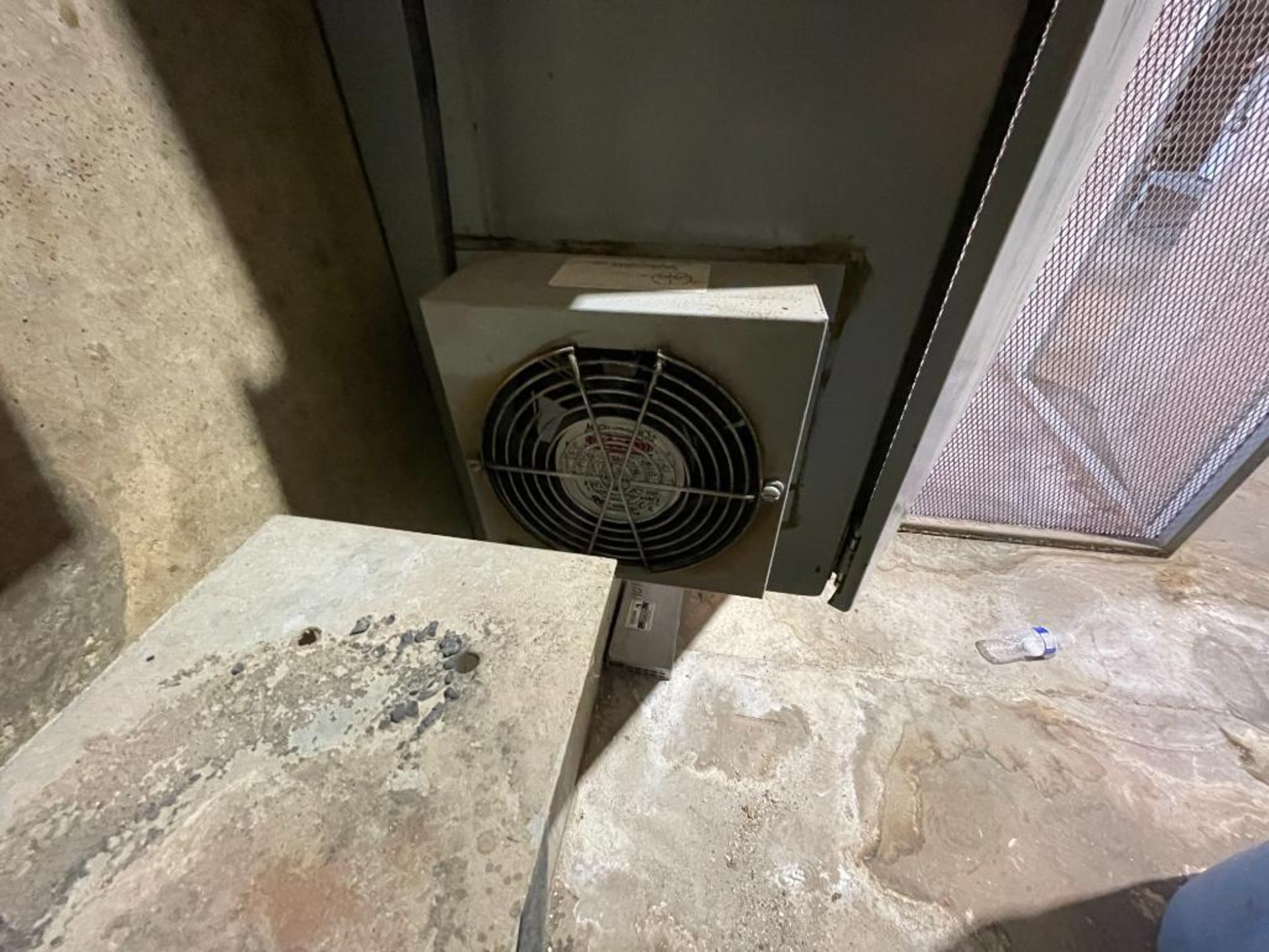 single door mild steel cabinet - Image 10 of 12