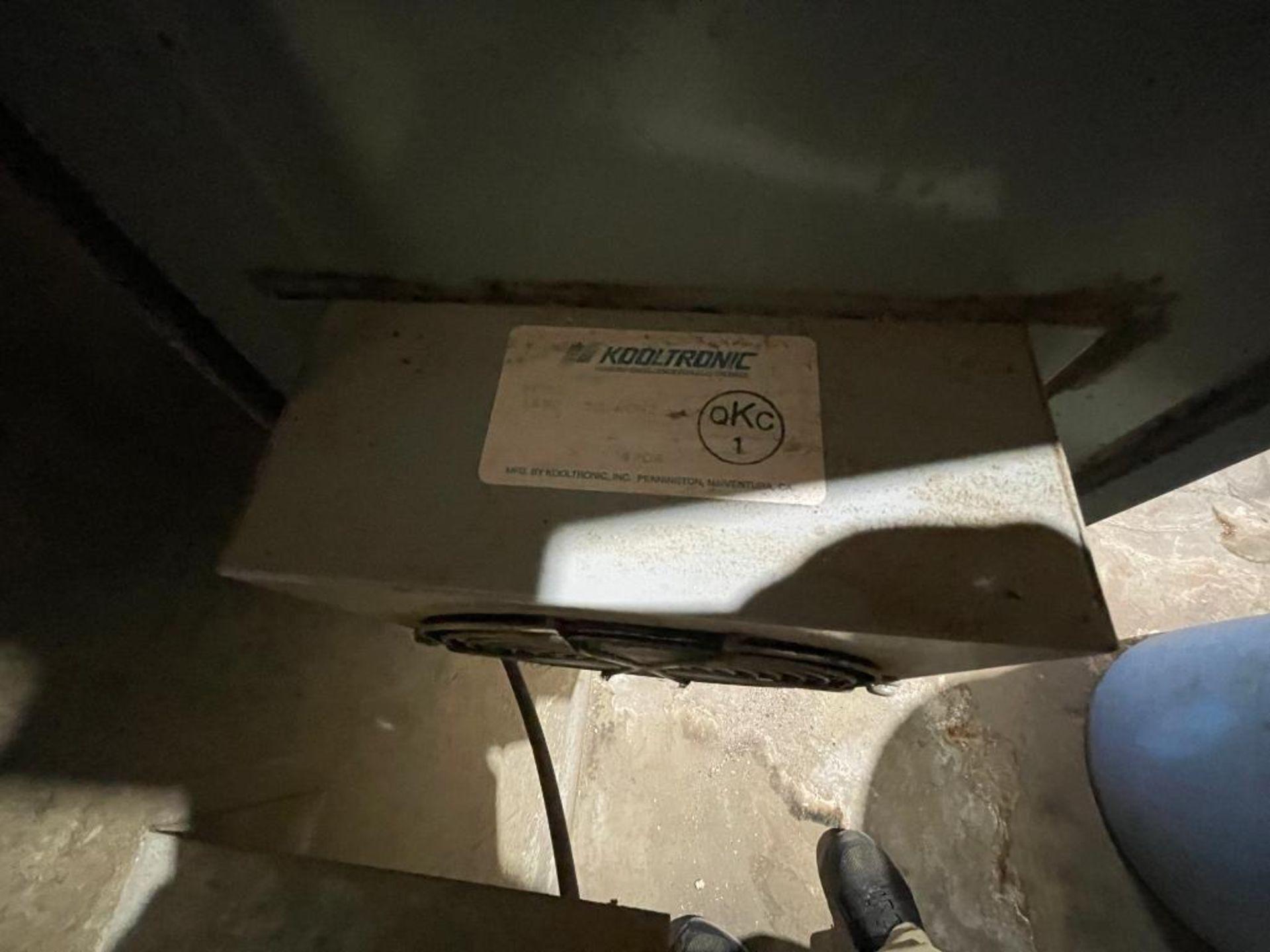 single door mild steel cabinet - Image 9 of 12