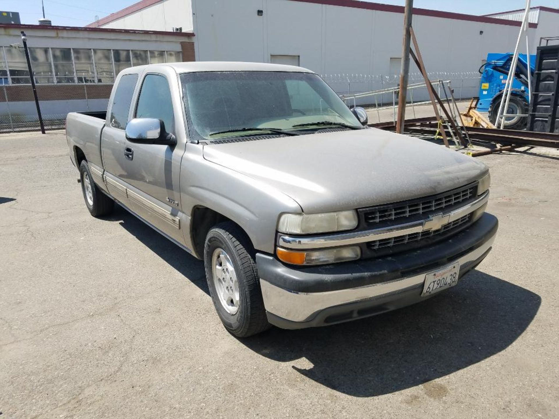 2000 Chevrolet Silverado 1500 LS - Image 19 of 27