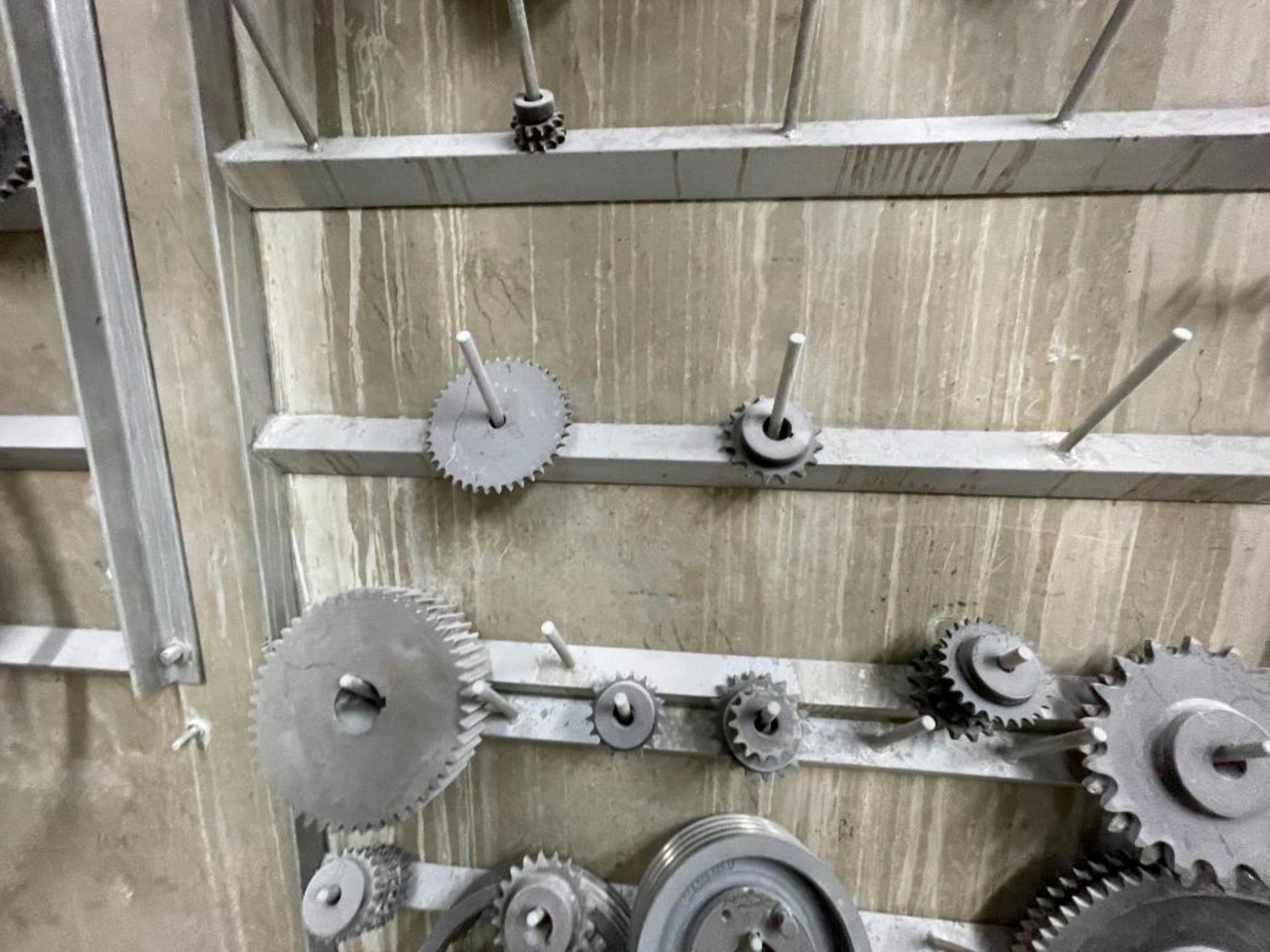 gears and pulleys - Image 12 of 17