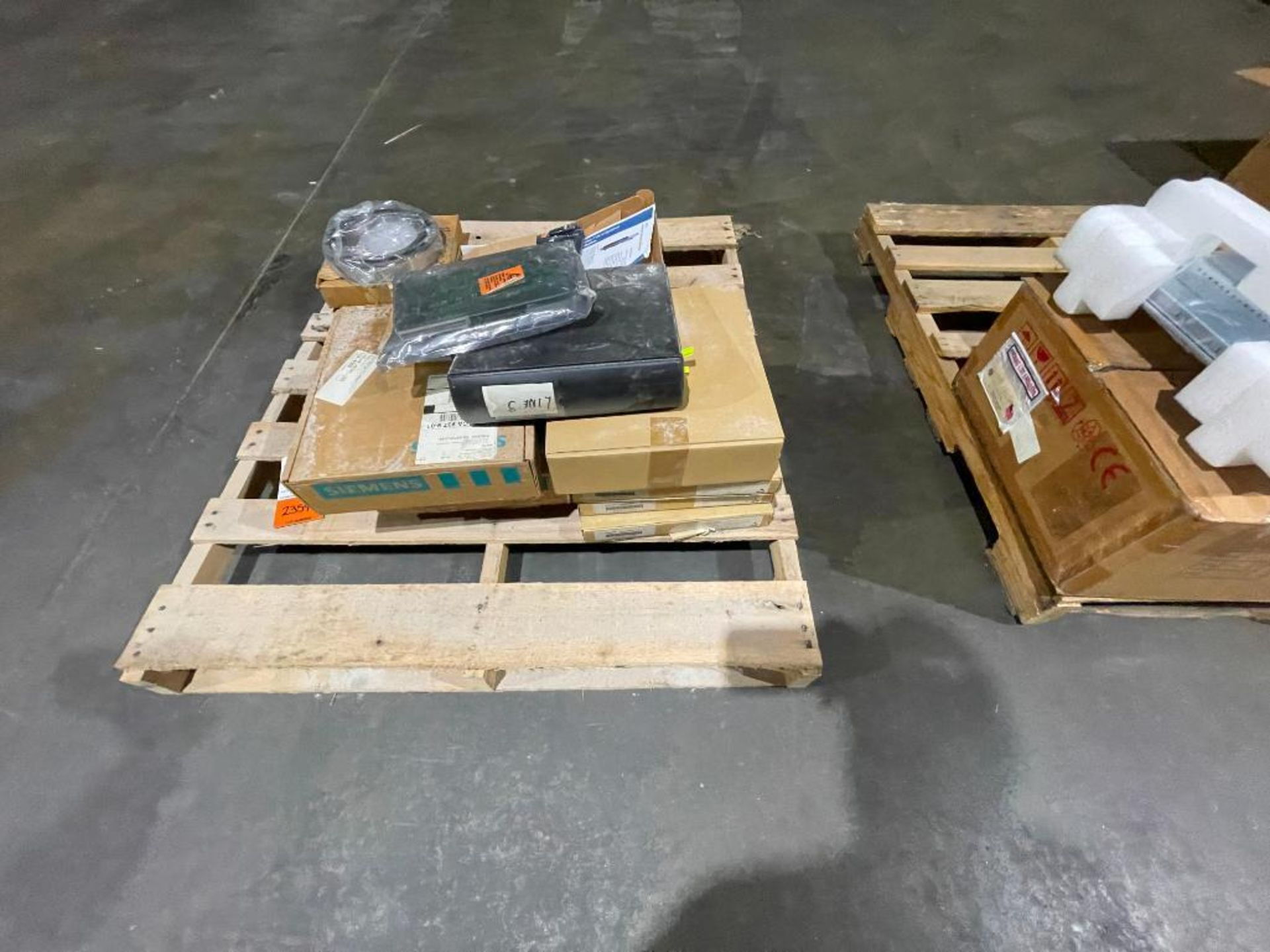 pallet of Siemens components - Image 5 of 5
