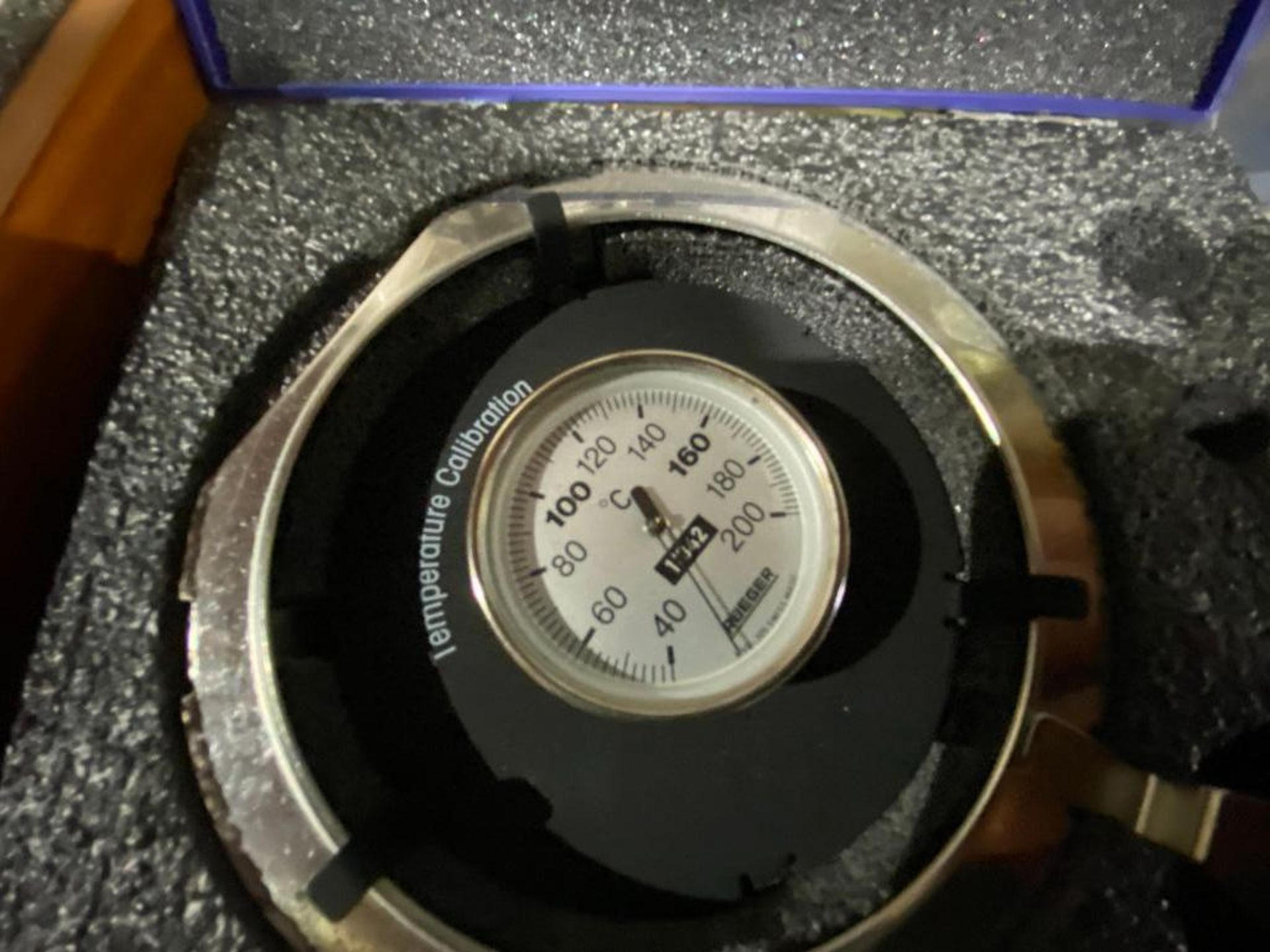 Mettler Toledo calibration kit for halogen moisture analyser - Image 3 of 3