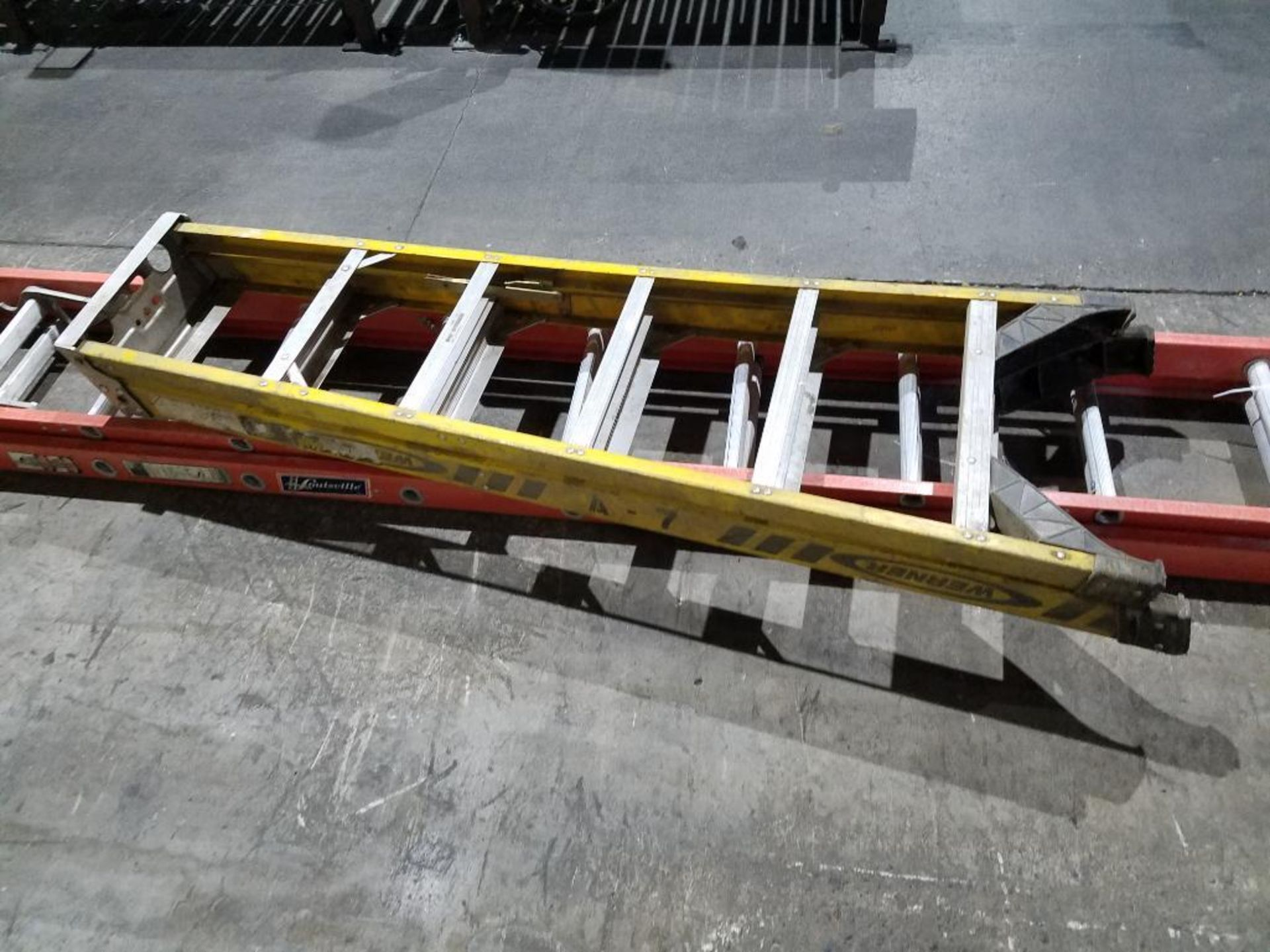 Werner 6 ft. step ladder and Louisville 32 ft. extension ladder - Image 2 of 3