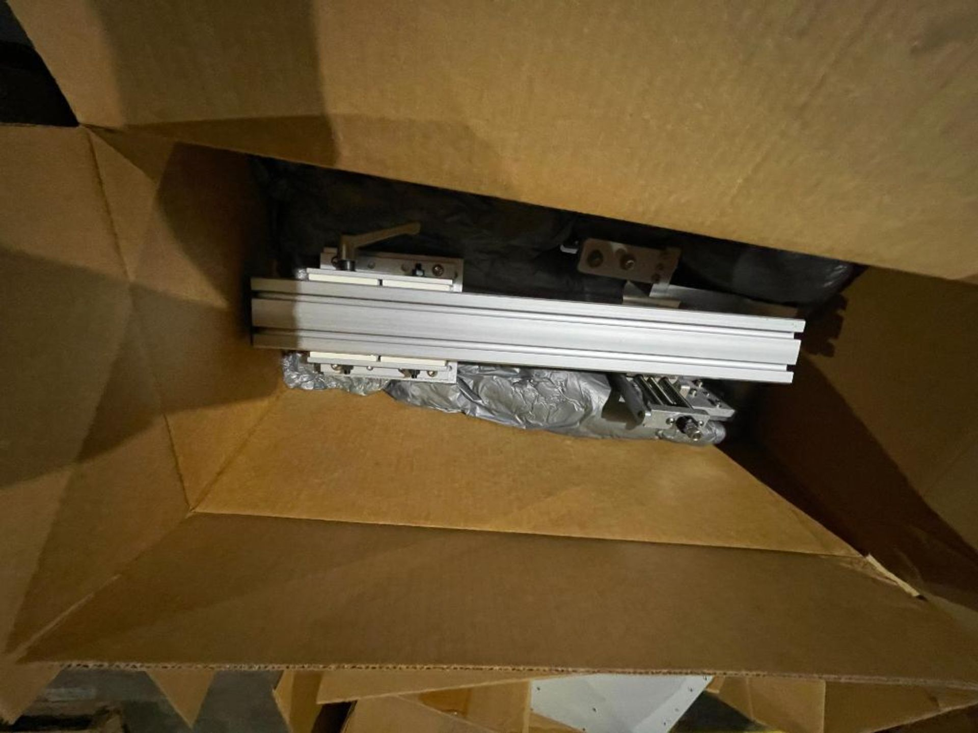 pallet of miscellaneous electronics - Image 15 of 16