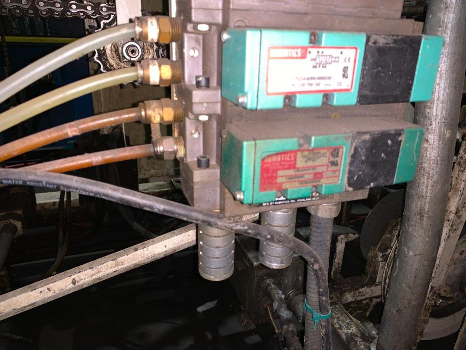 Salwasser case erector and case packer, model L41 - Image 35 of 45