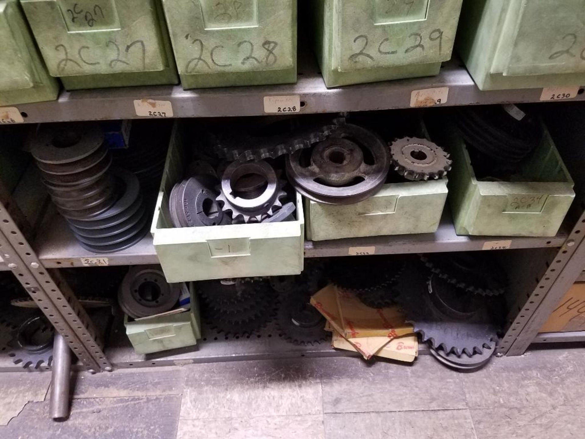 various replacement parts, conveyor belts, electrical components, gears and gauges - Image 14 of 21