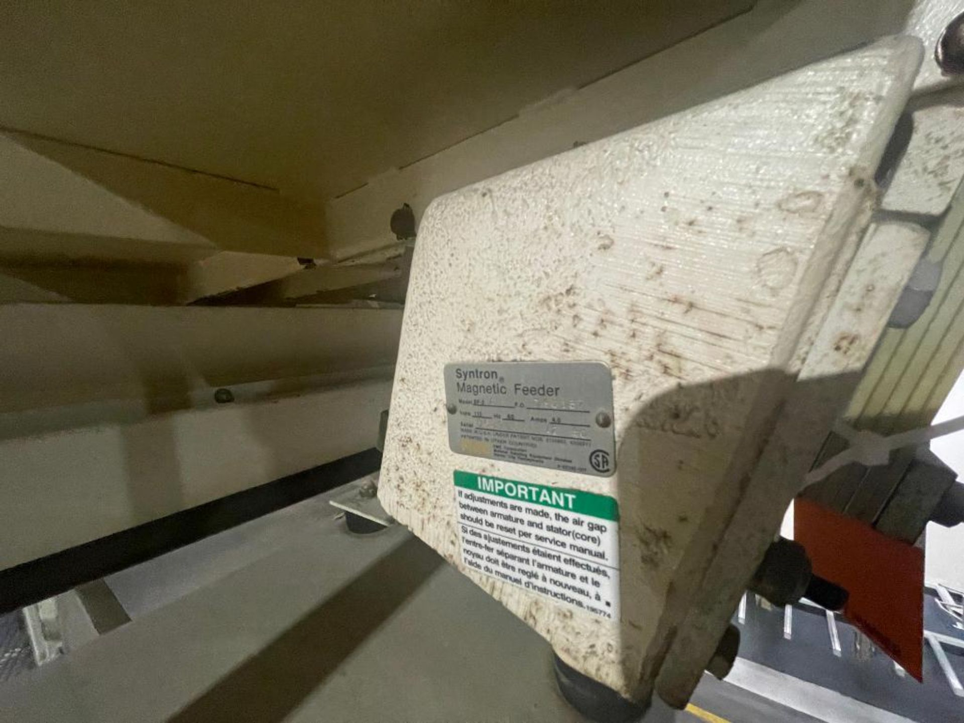 Aseeco 5-bin blending system with 5 Syntron vibratory feeders on bottom - Image 10 of 12