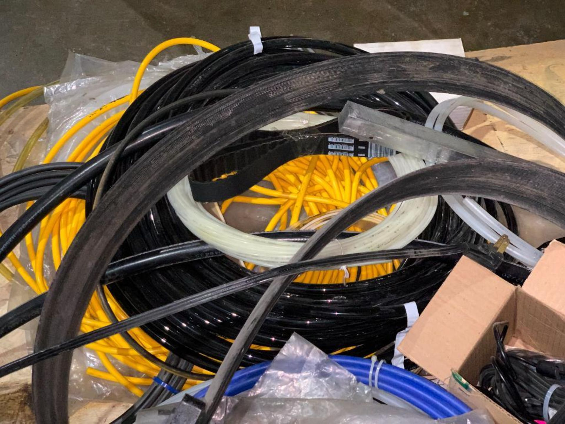 hoses, cords, and oil seals - Image 5 of 7