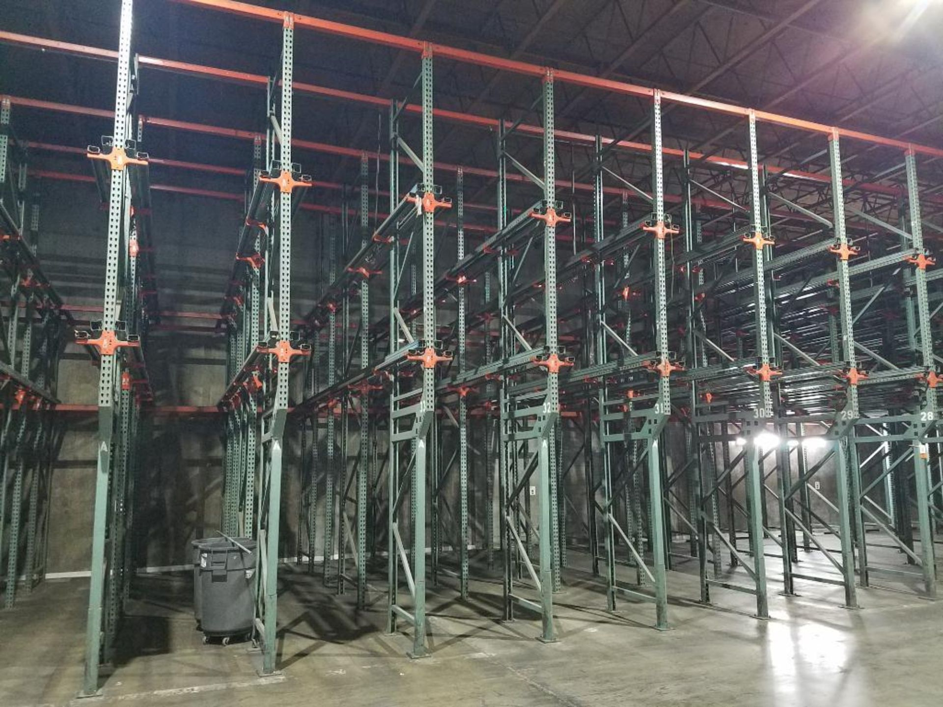 (10) bays tear drop style drive in rack - Image 2 of 3