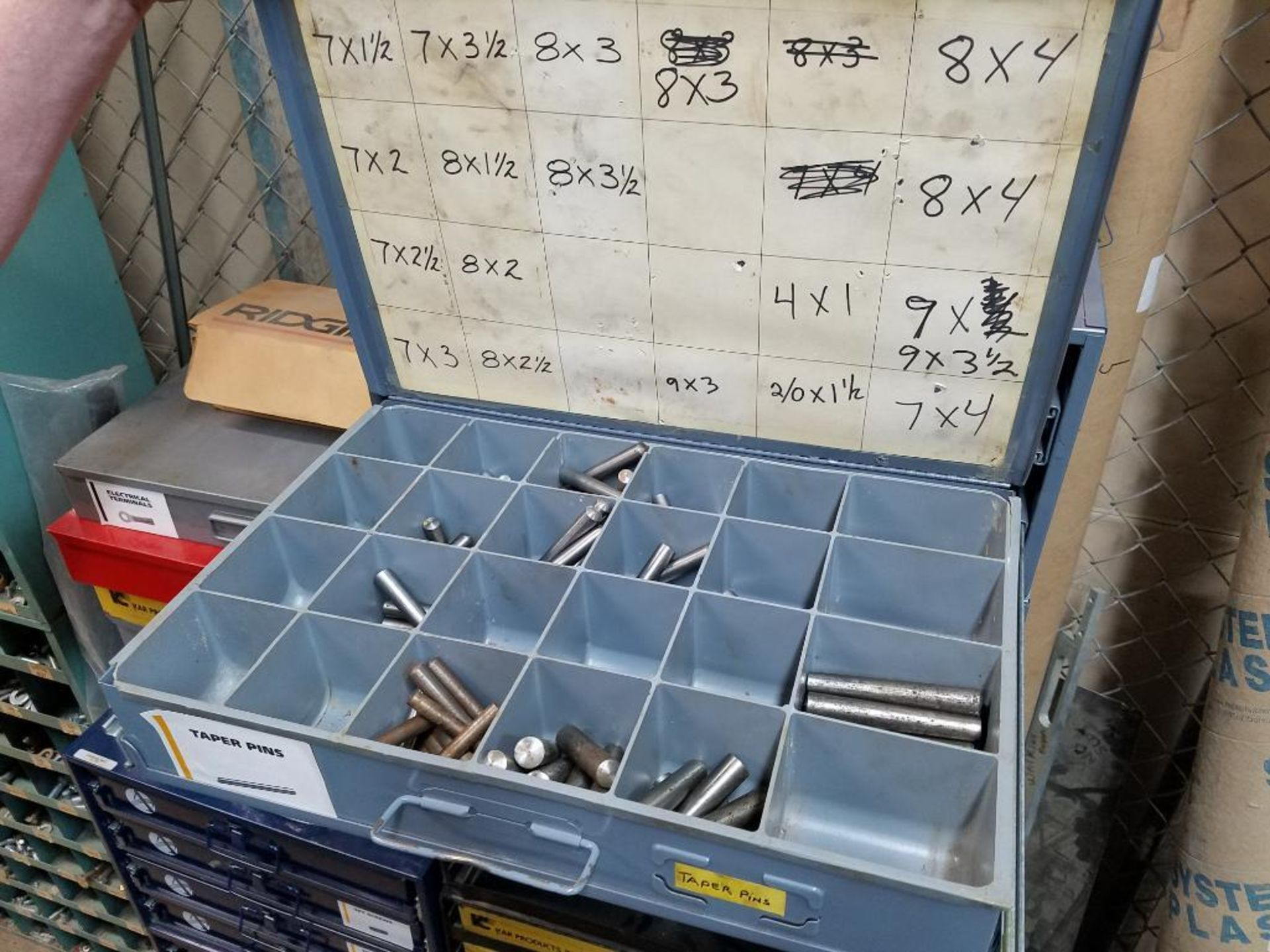 tek screws, roll and taper pins, electrical terminals, set screws, O-rings, brass poly fittings - Image 16 of 29