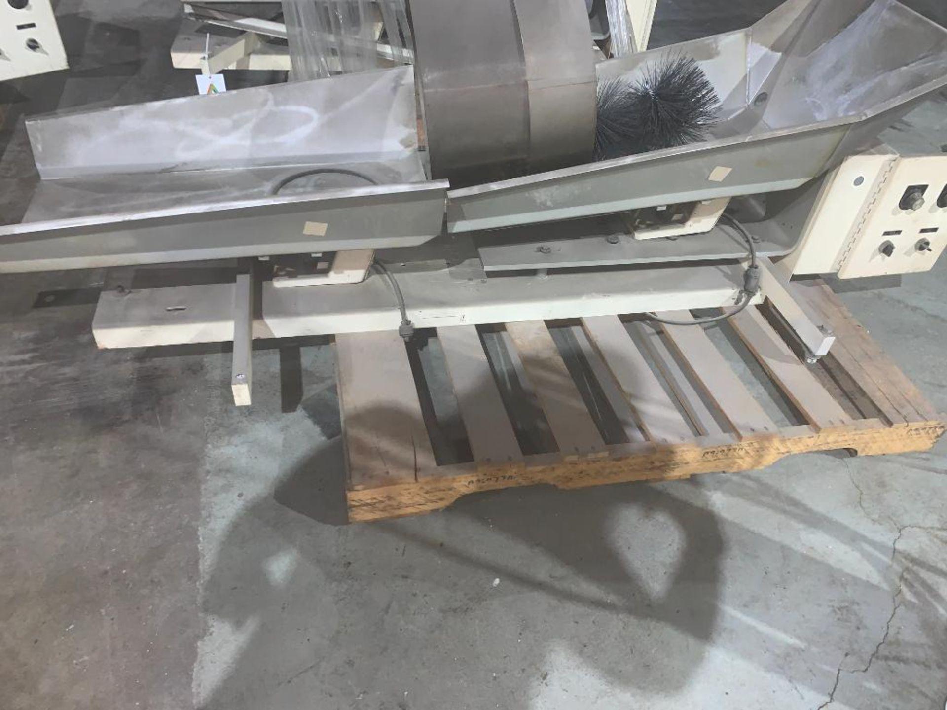 vibratory conveyor - Image 5 of 6