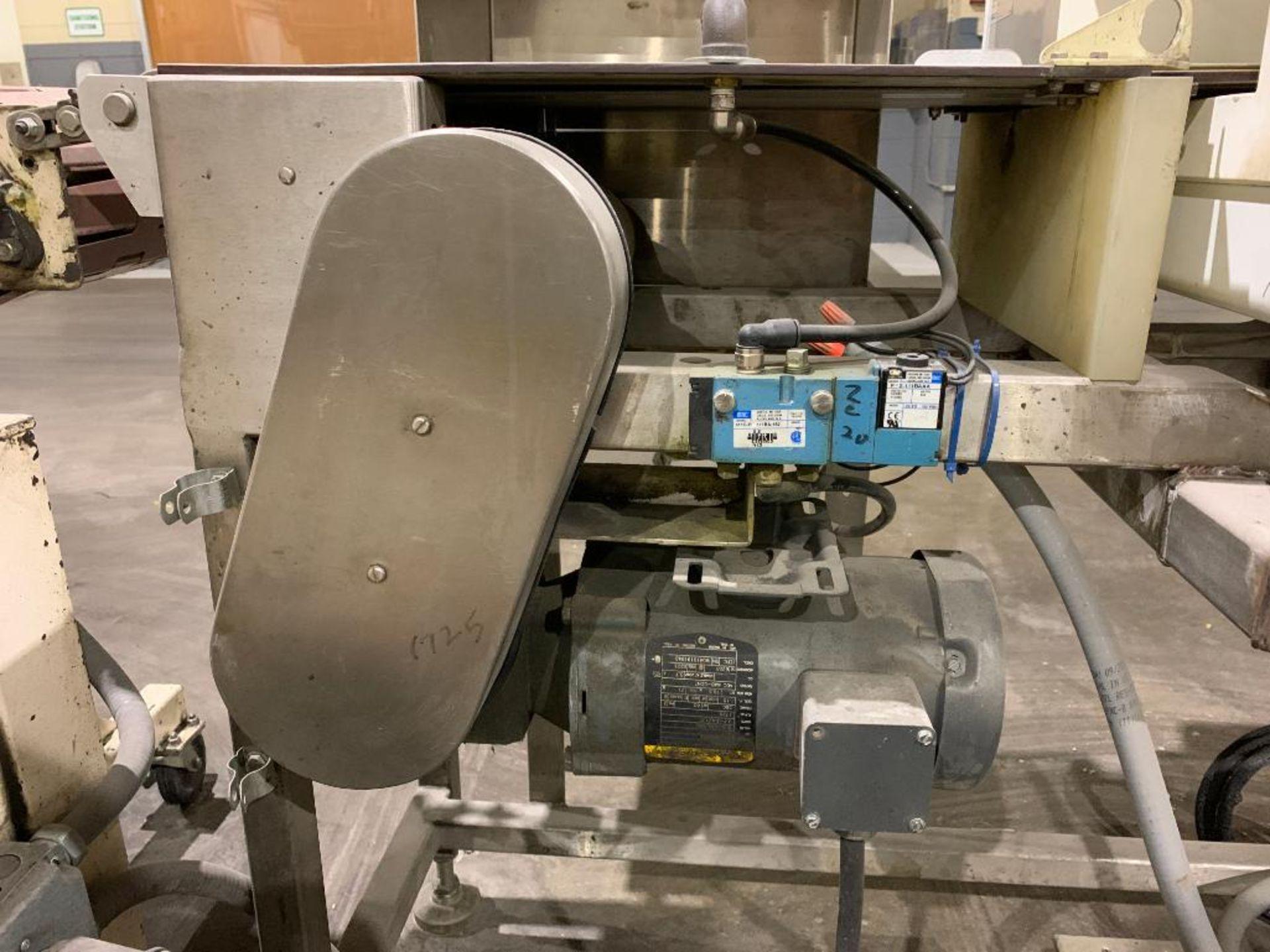 Mettler Toledo metal detector - Image 2 of 24